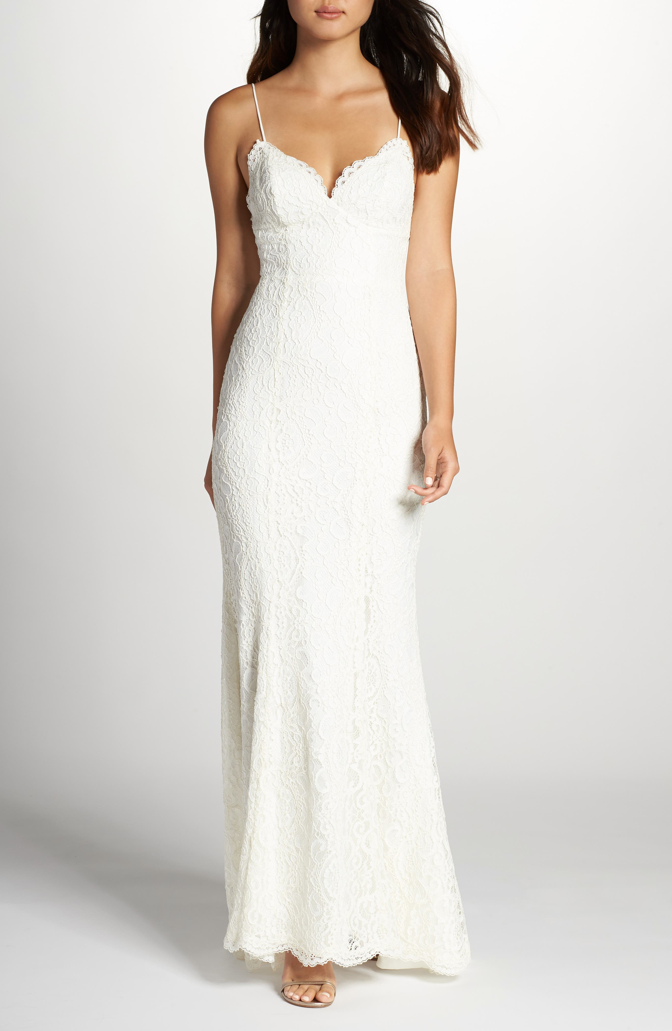 Fame & Partners Sirene Scalloped Lace Gown, White