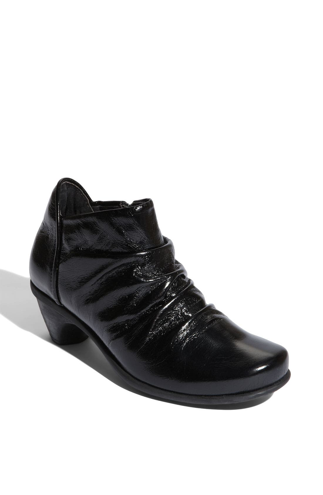 'Advance' Ankle Boot, Main, color, 001