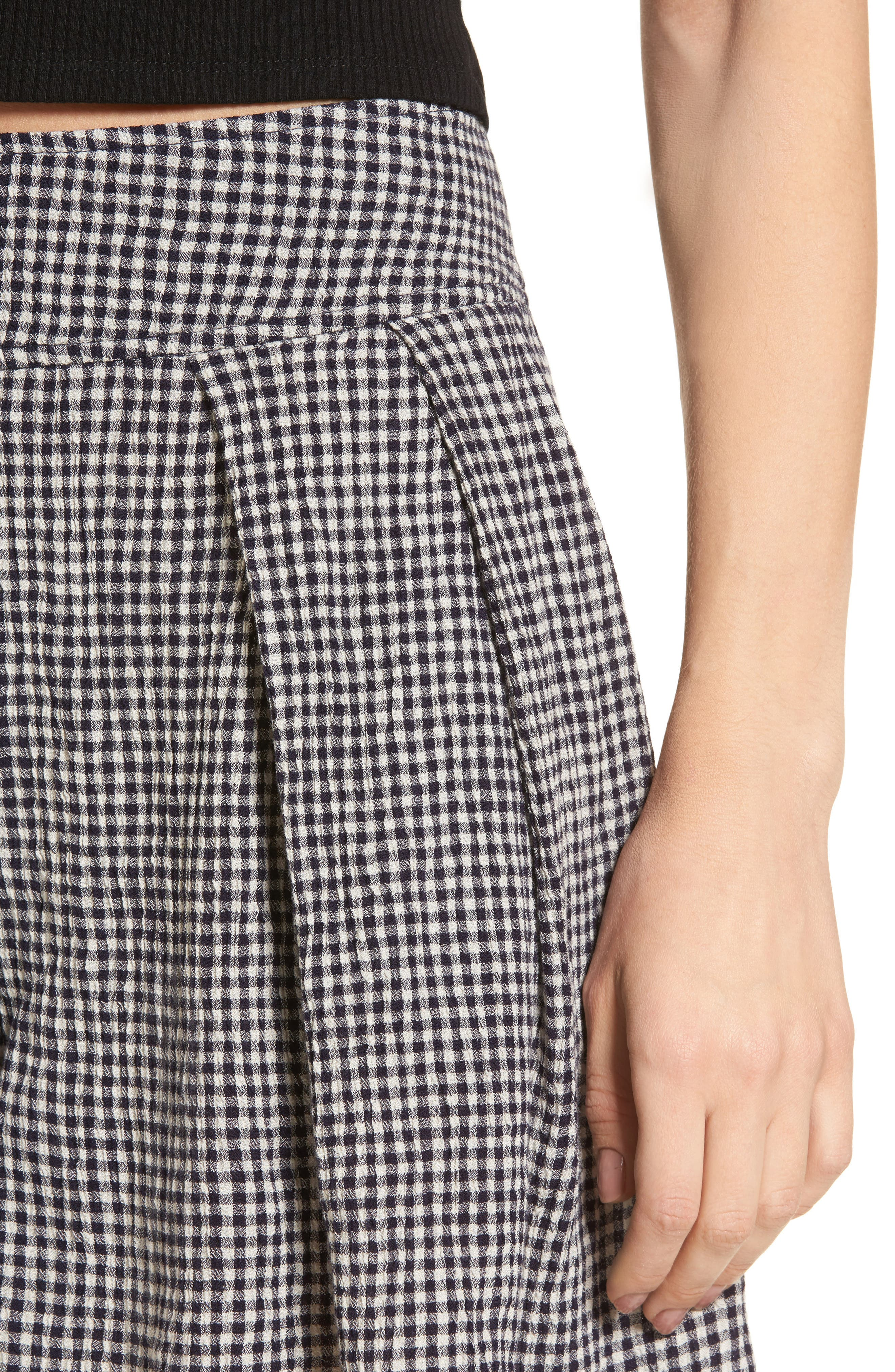 Pleated Gingham Shorts,                             Alternate thumbnail 4, color,                             001