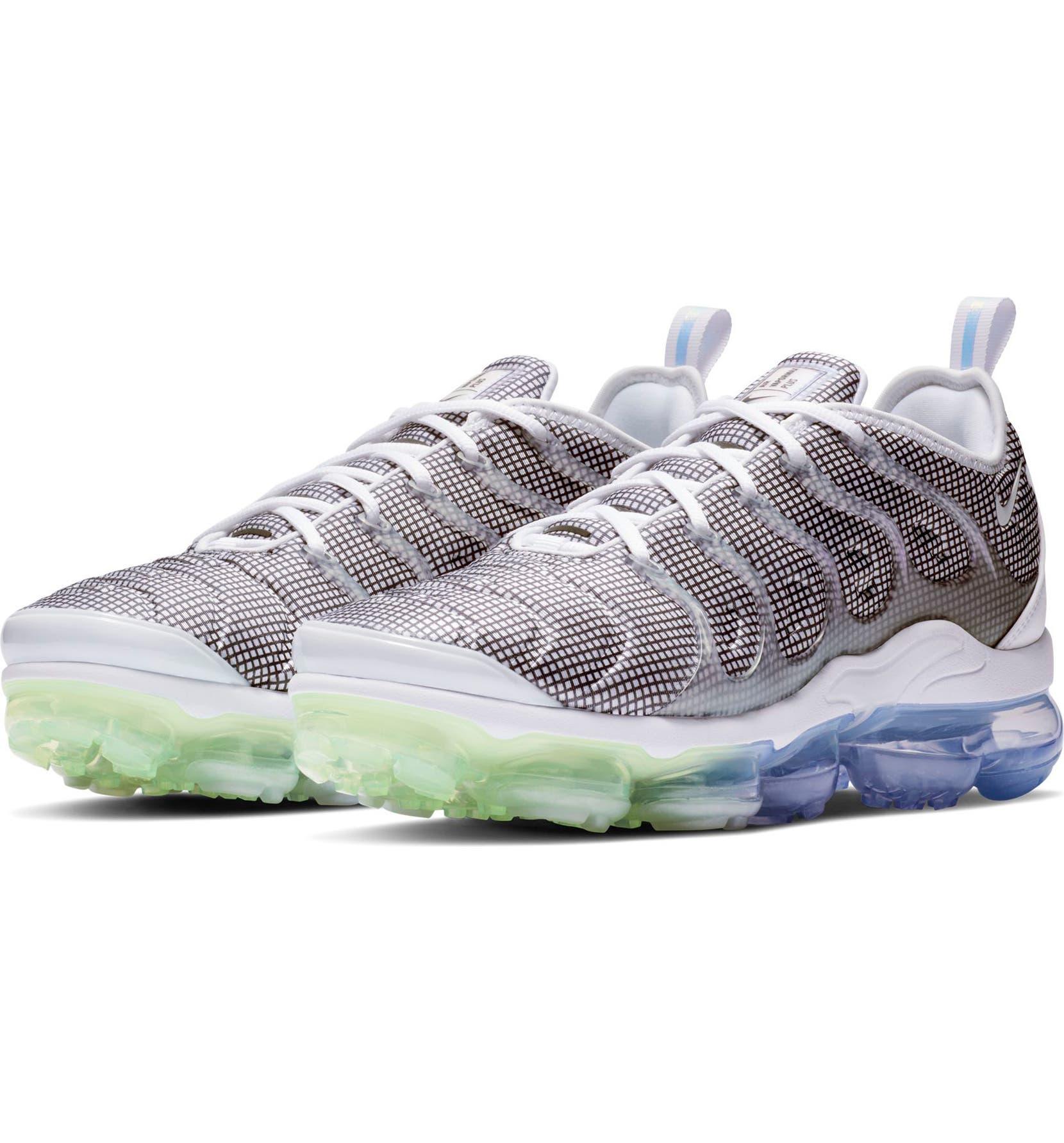56c7e093c4f Nike Air VaporMax Plus Sneaker (Unisex)