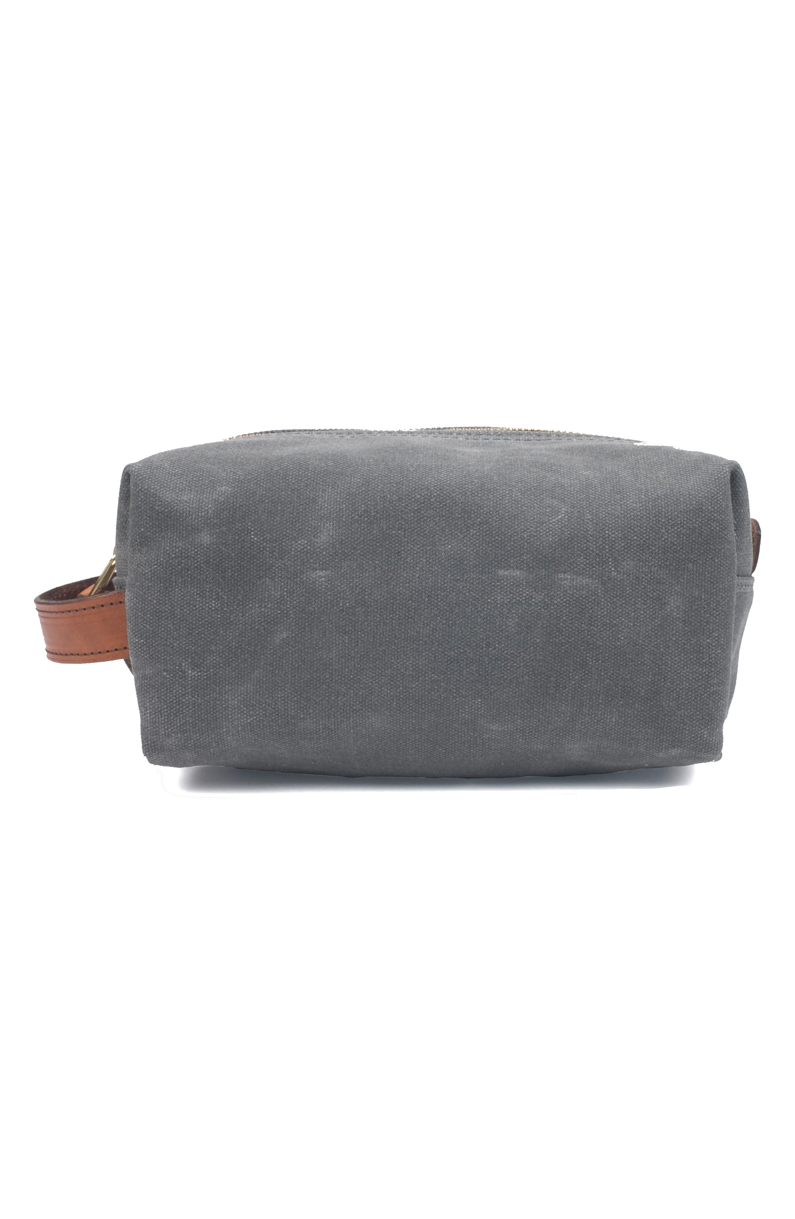 BOARDING PASS Gentle Reminder Dopp Kit in Charcoal