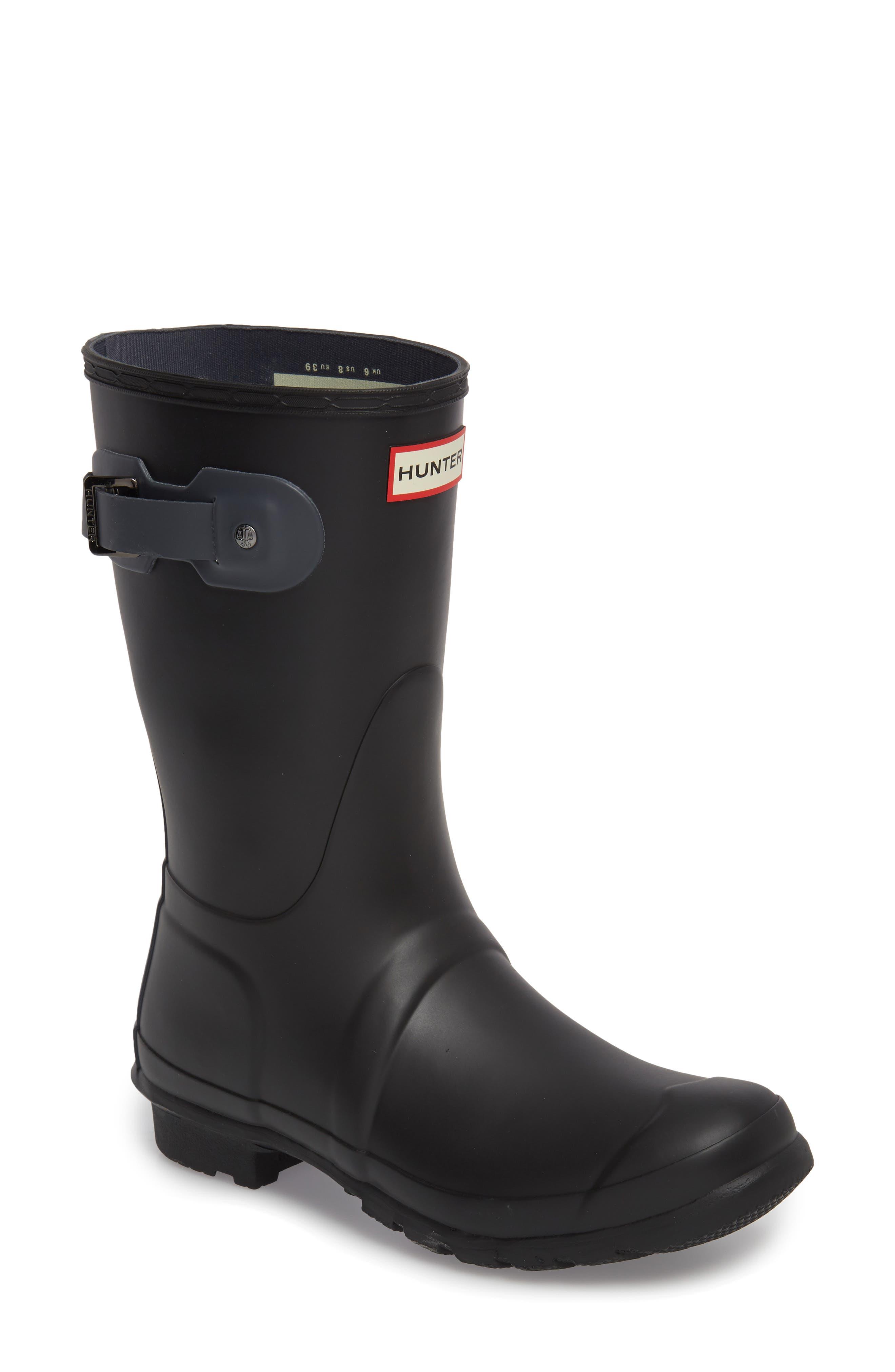 HUNTER Original Short Waterproof Rain Boot, Main, color, 001