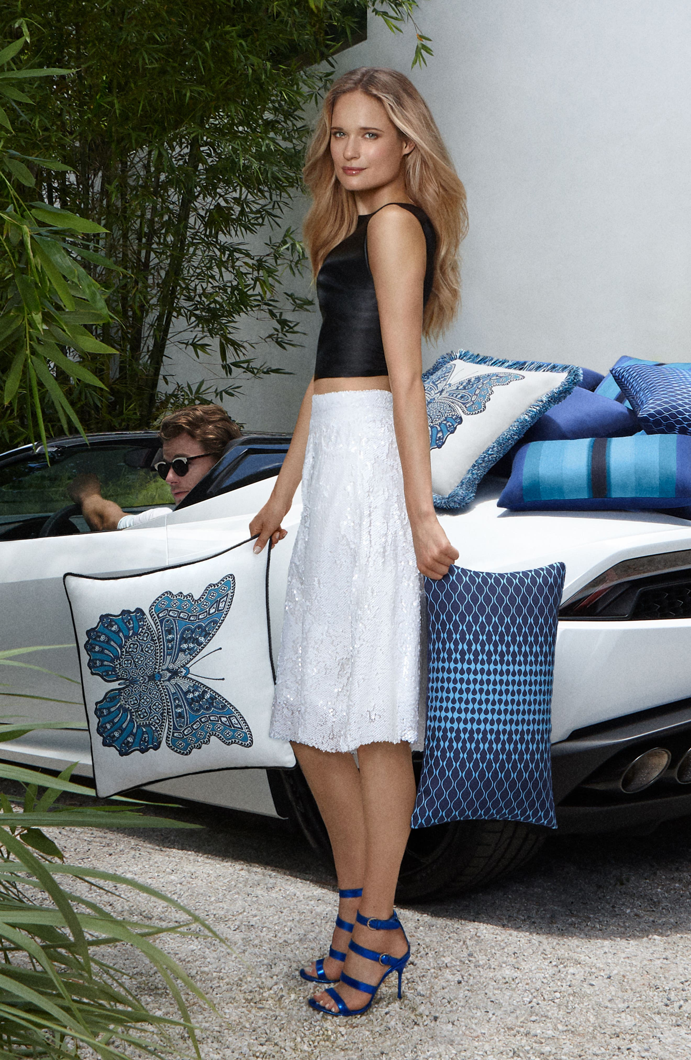 Ombré Azure Indoor/Outdoor Accent Pillow,                             Alternate thumbnail 3, color,                             400