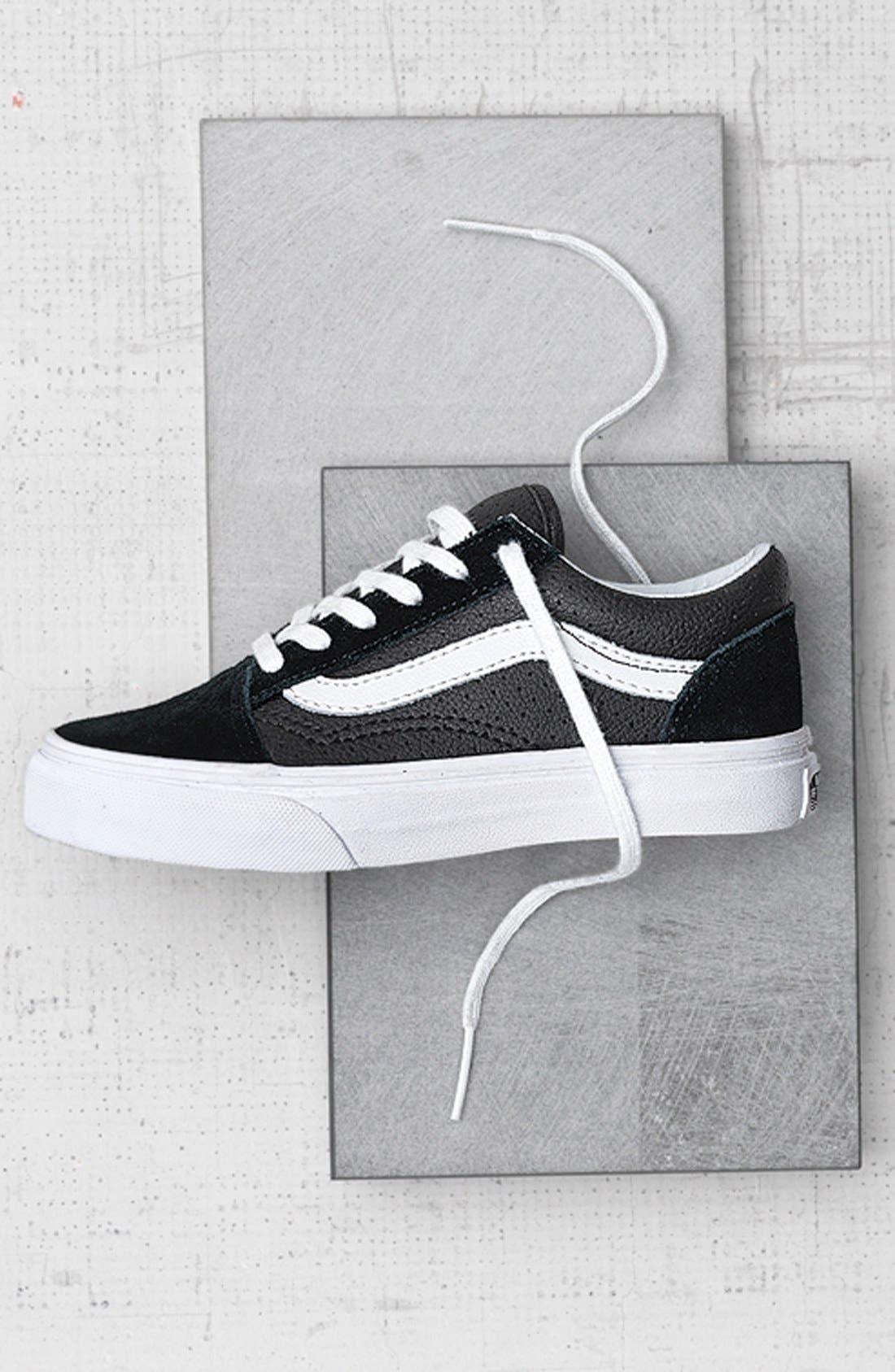Old Skool V Sneaker,                             Alternate thumbnail 7, color,                             NAVY/ TRUE WHITE