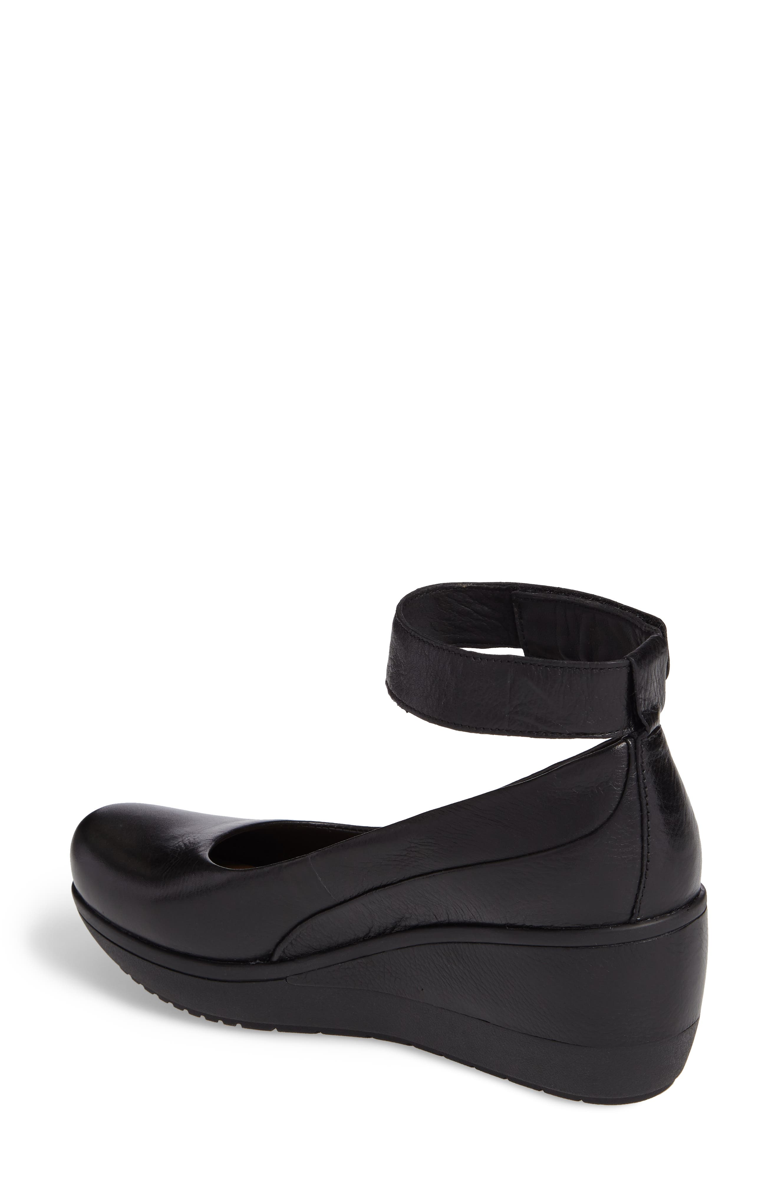 Wynnmere Fox Ankle Strap Pump,                             Alternate thumbnail 2, color,                             BLACK LEATHER