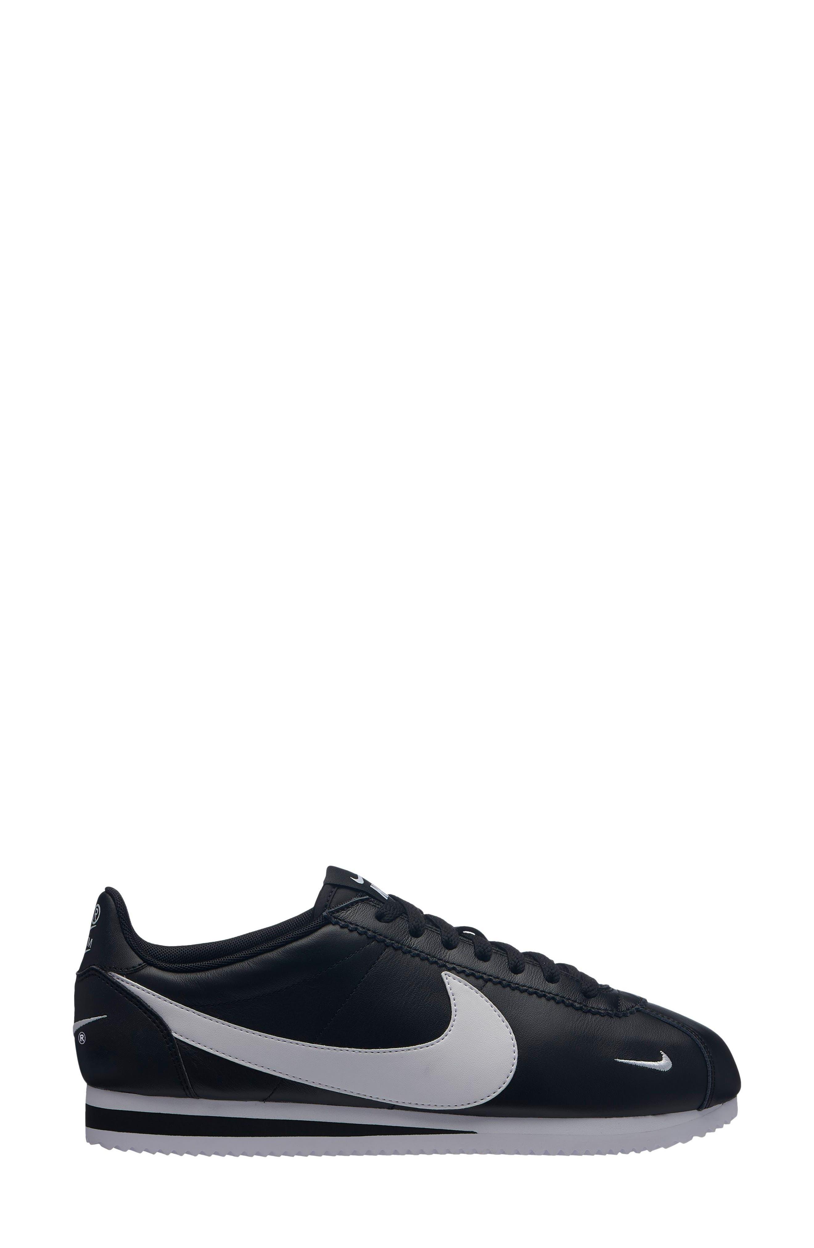 Classic Cortez Premium Sneaker in Black/ White