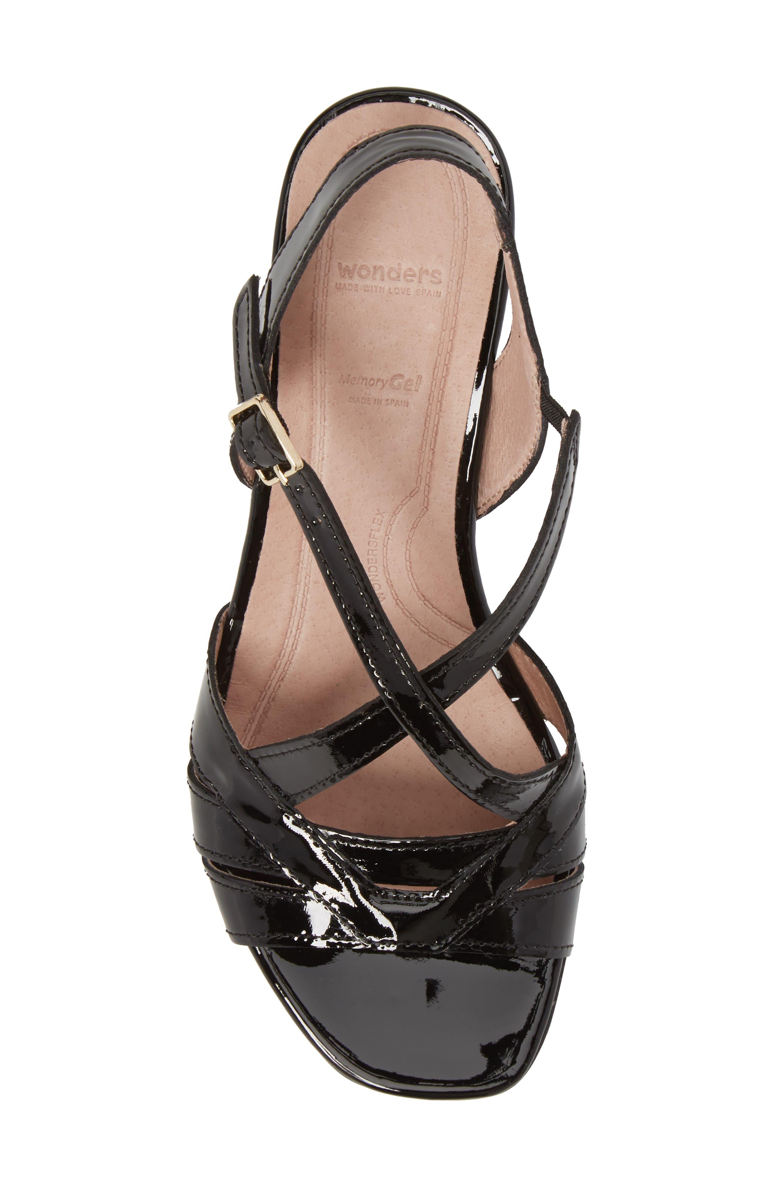 Block Heel Sandal,                             Alternate thumbnail 5, color,                             BLACK LEATHER