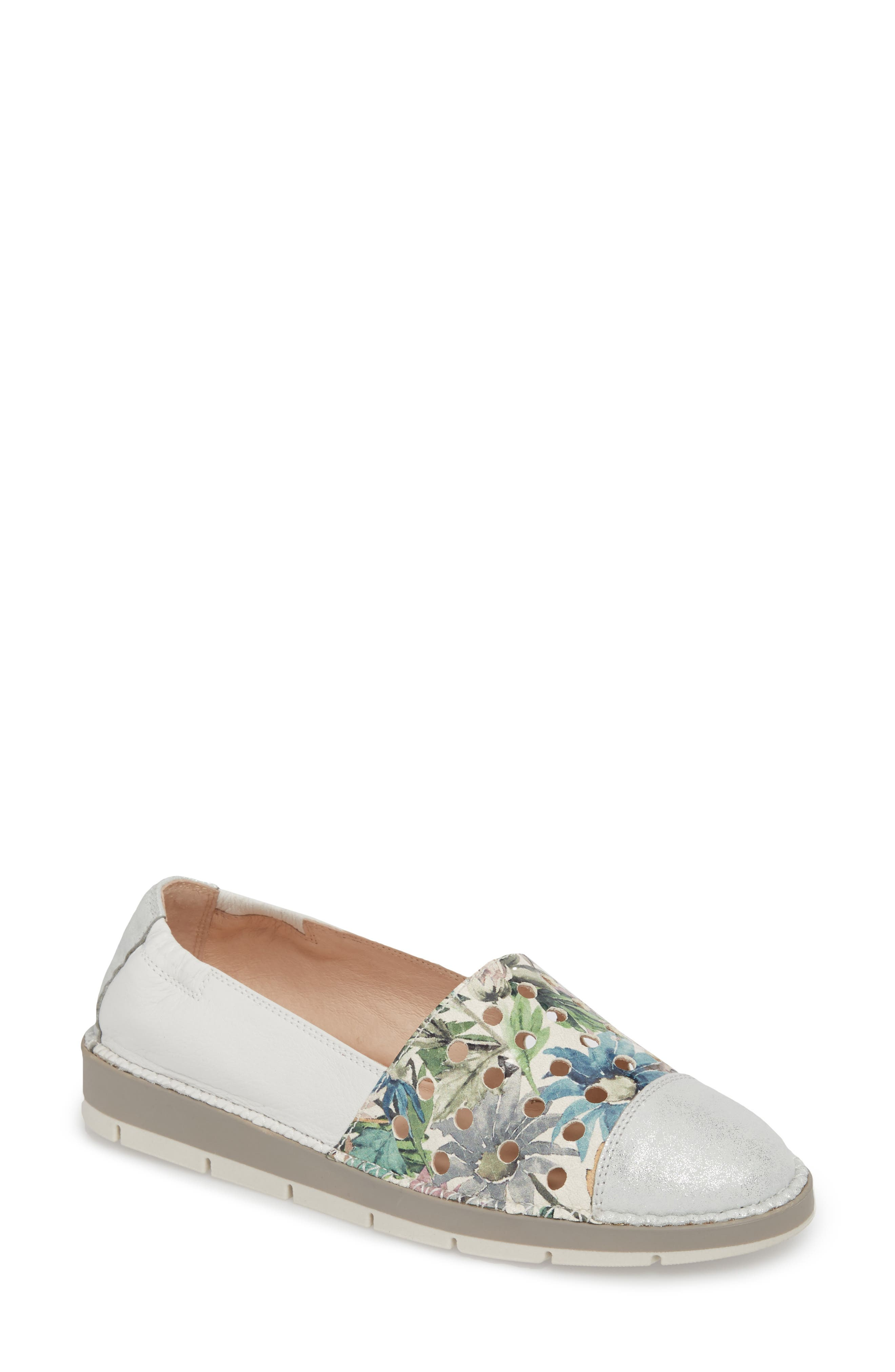 Maiko Flat,                             Main thumbnail 1, color,                             STAR SILVER/ BLOSSOM LEATHER