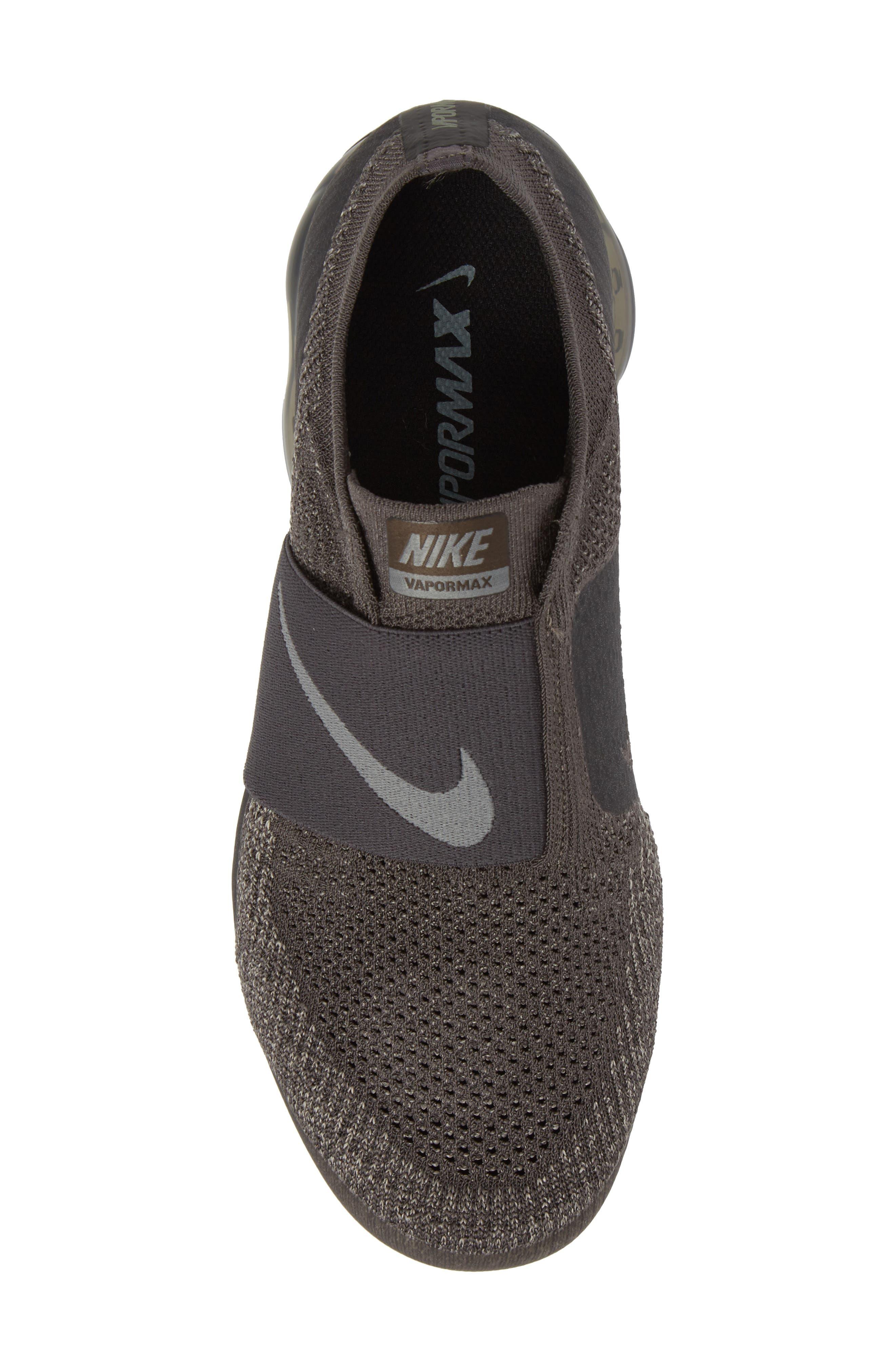 Air VaporMax Flyknit Running Shoe,                             Alternate thumbnail 5, color,