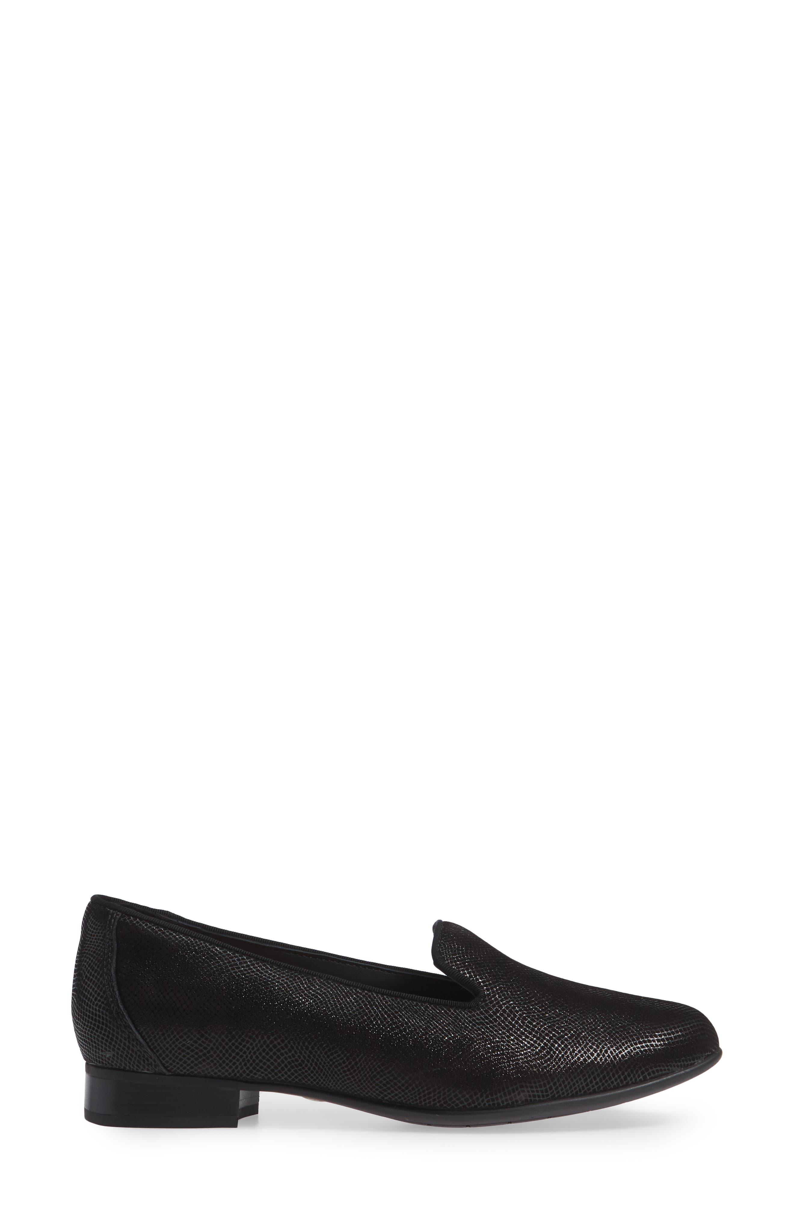 Un Blush Step Loafer,                             Alternate thumbnail 3, color,                             BLACK NUBUCK