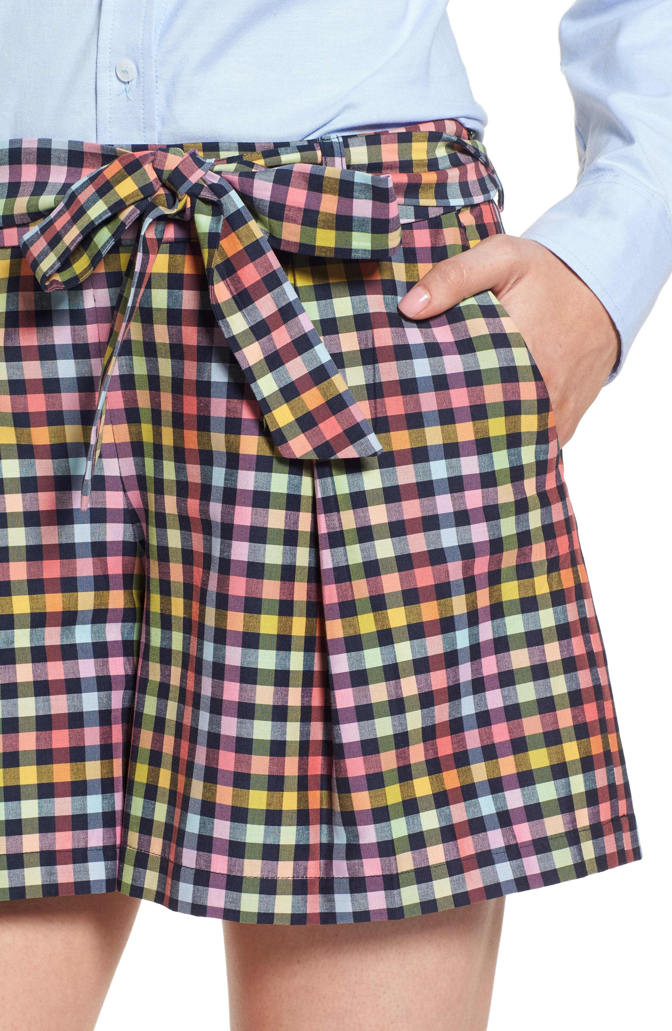 Pleated Plaid Bow Tie Shorts,                             Alternate thumbnail 4, color,                             410