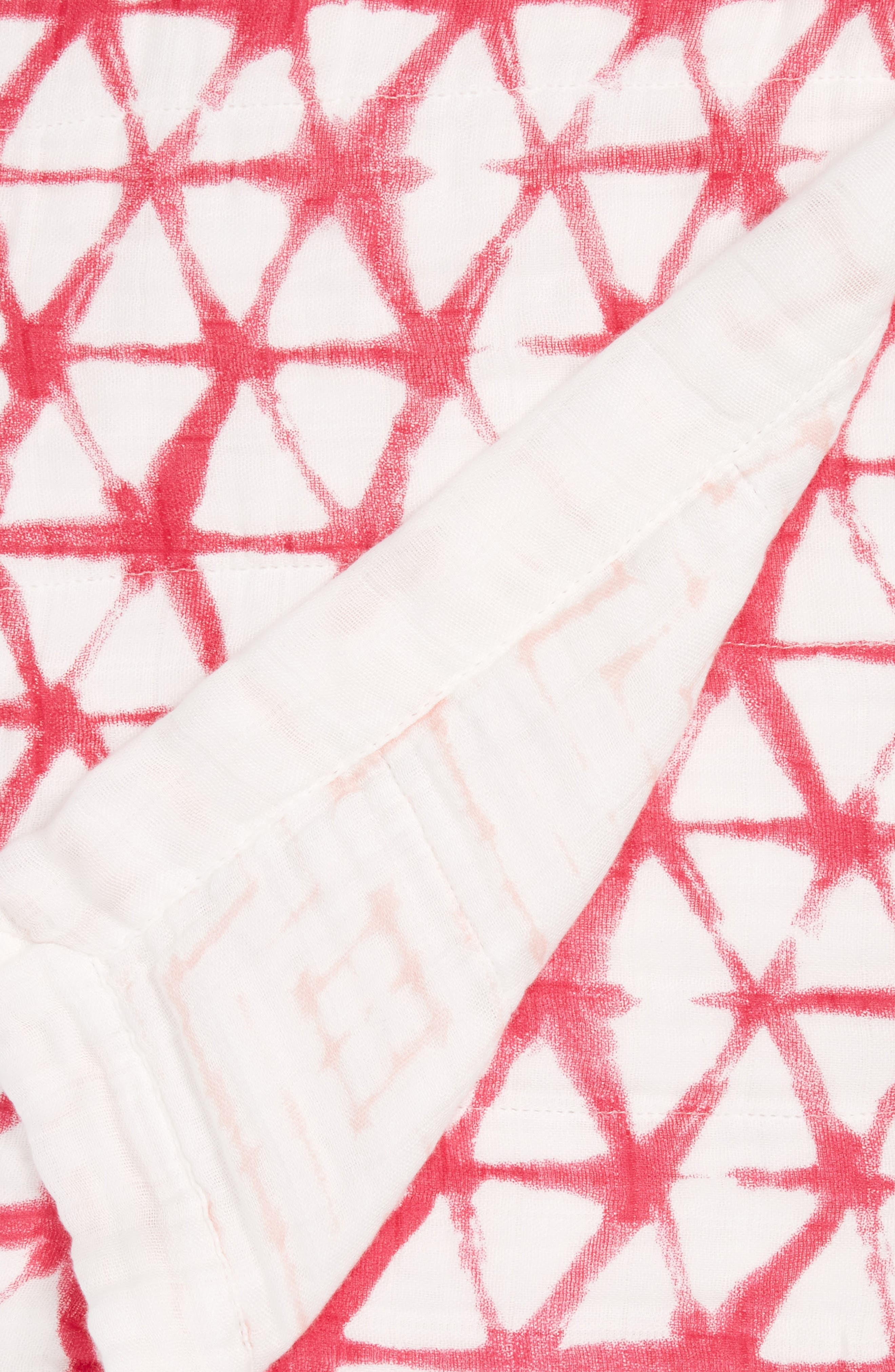 Silky Soft Dream Blanket<sup>™</sup>,                             Alternate thumbnail 2, color,                             BERRY SHIBORI