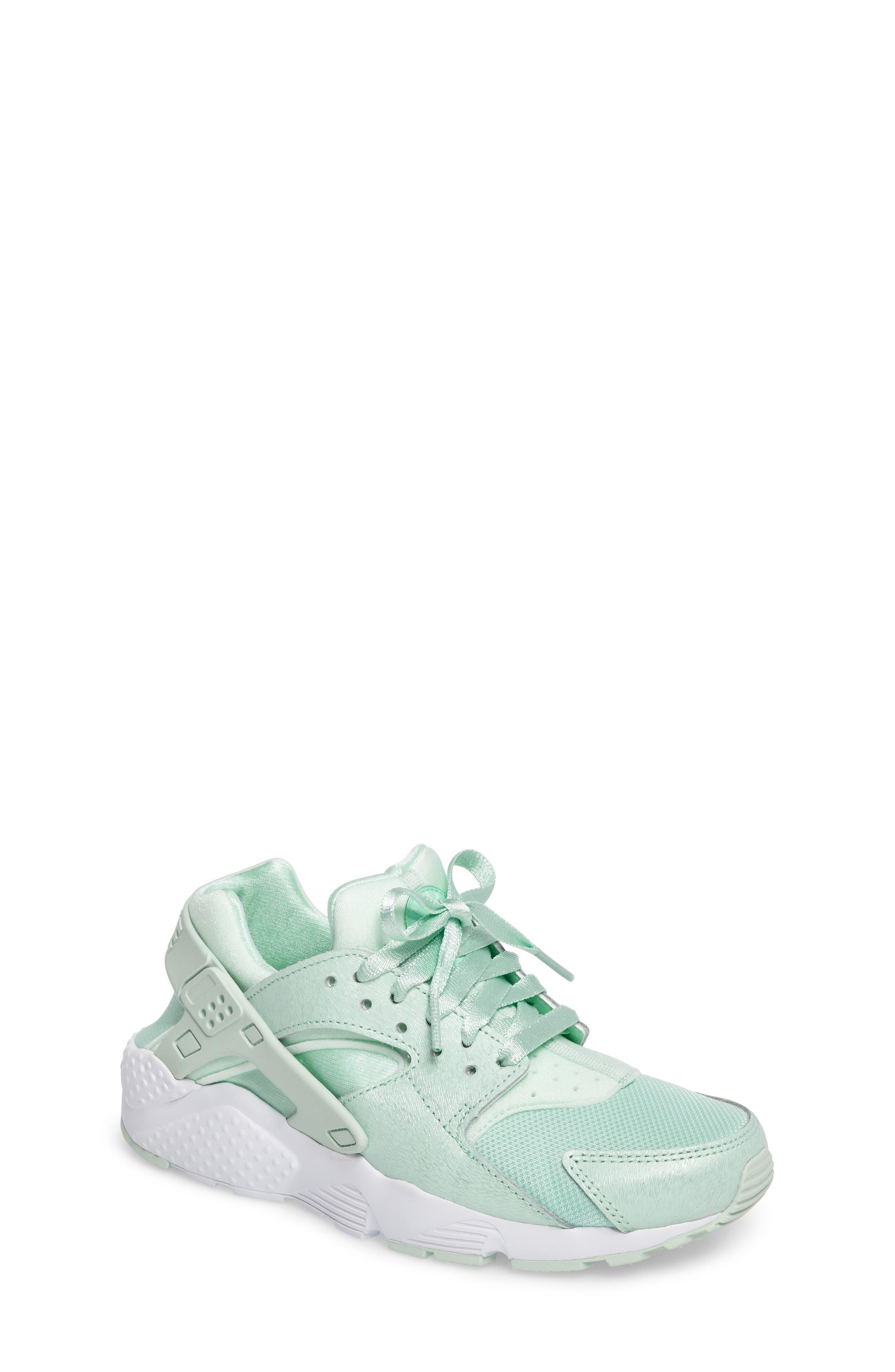 Huarache Run SE Sneaker,                             Main thumbnail 6, color,
