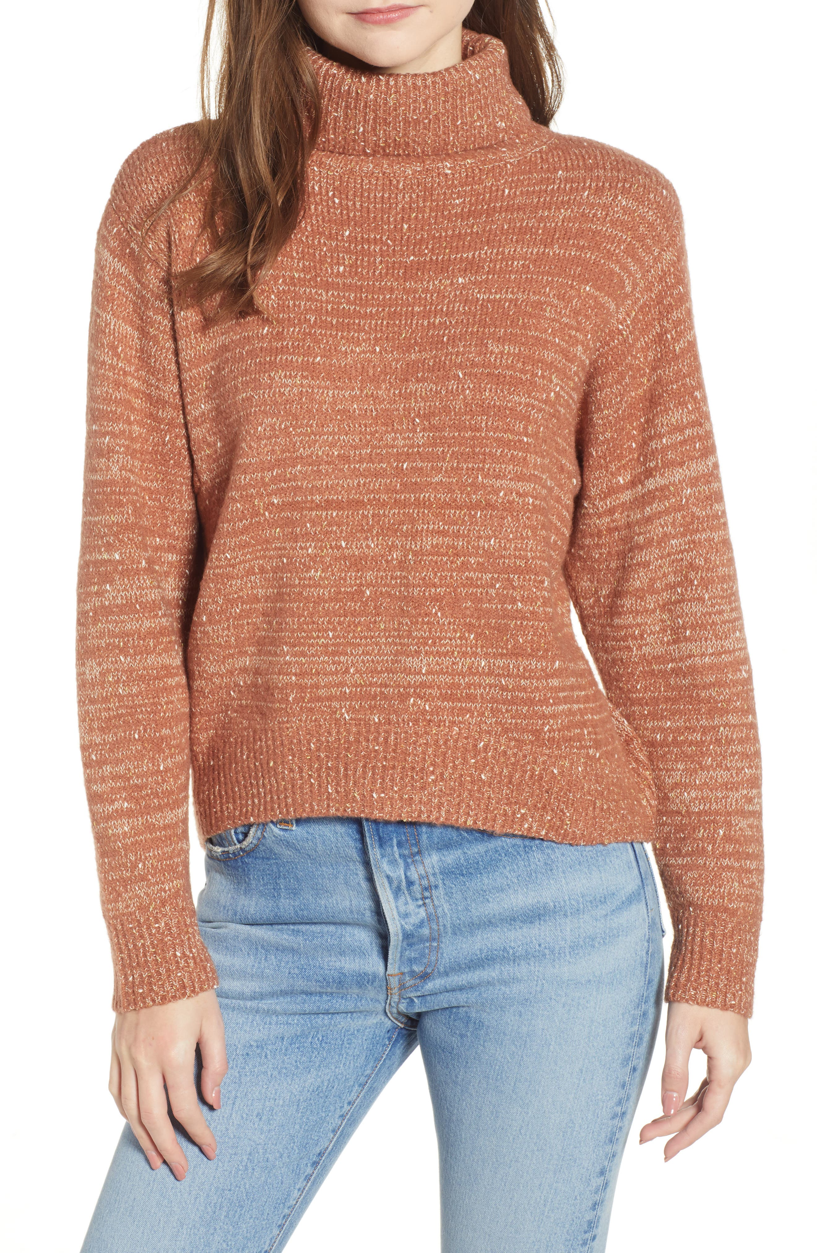 MOON RIVER Fleck Turtleneck Sweater in Honey