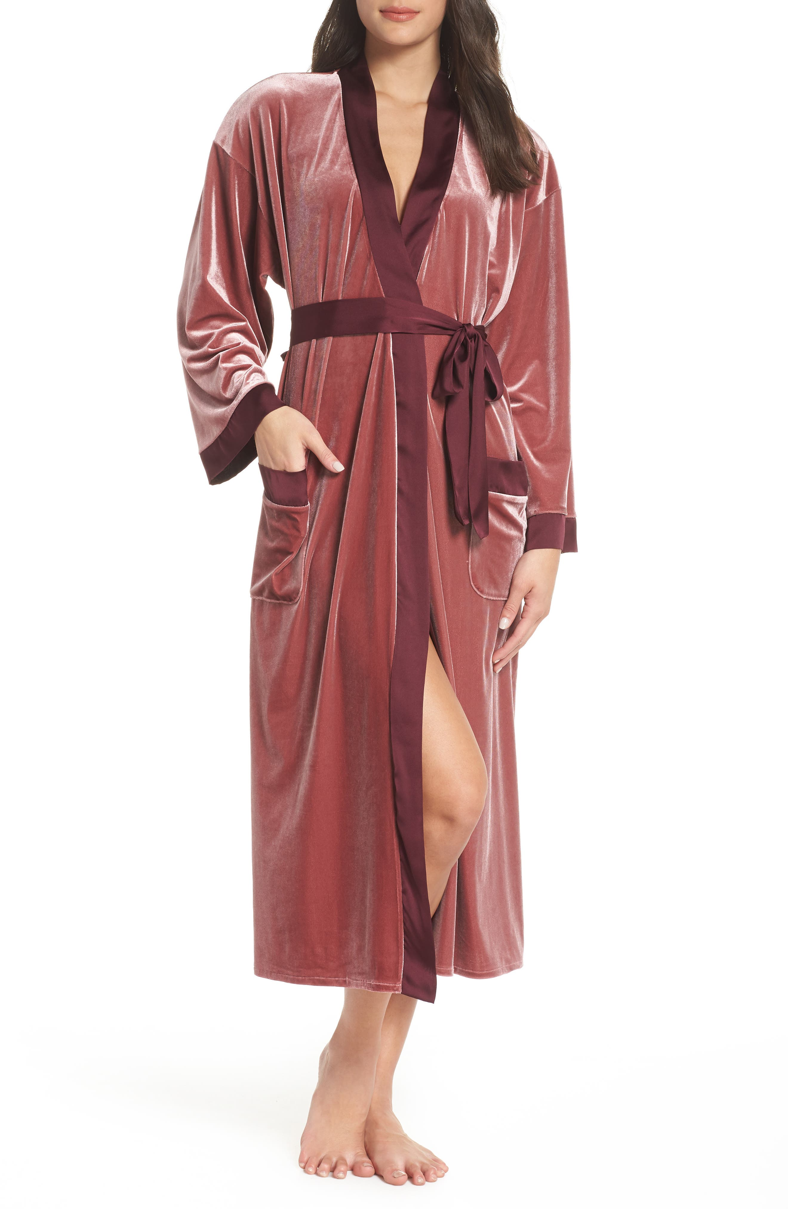 Vintage Nightgowns, Pajamas, Baby Dolls, Robes Womens Chelsea28 Colorblock Long Velvet Robe $53.40 AT vintagedancer.com