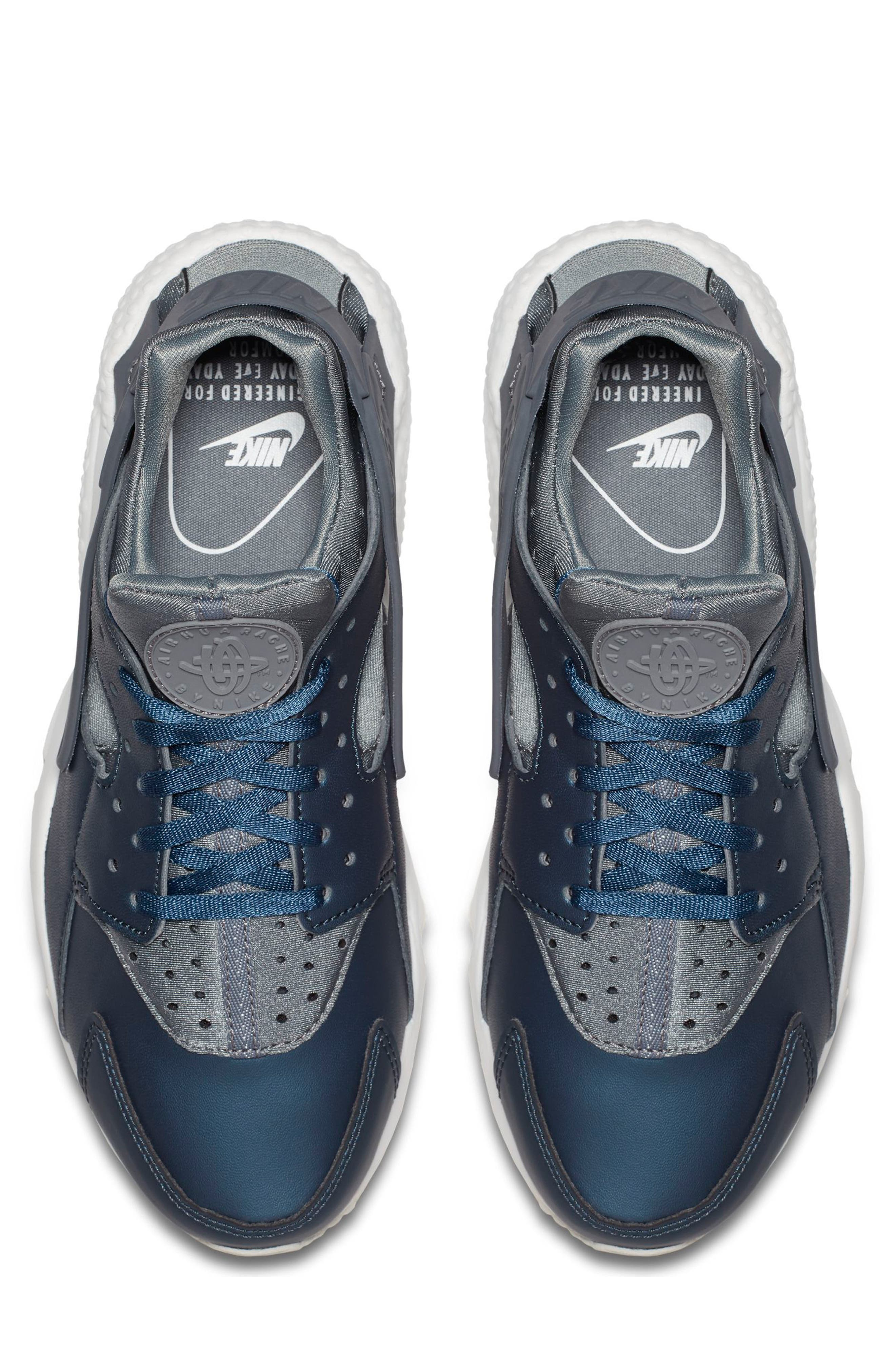 Air Huarache Run Premium Sneaker,                             Alternate thumbnail 4, color,                             020