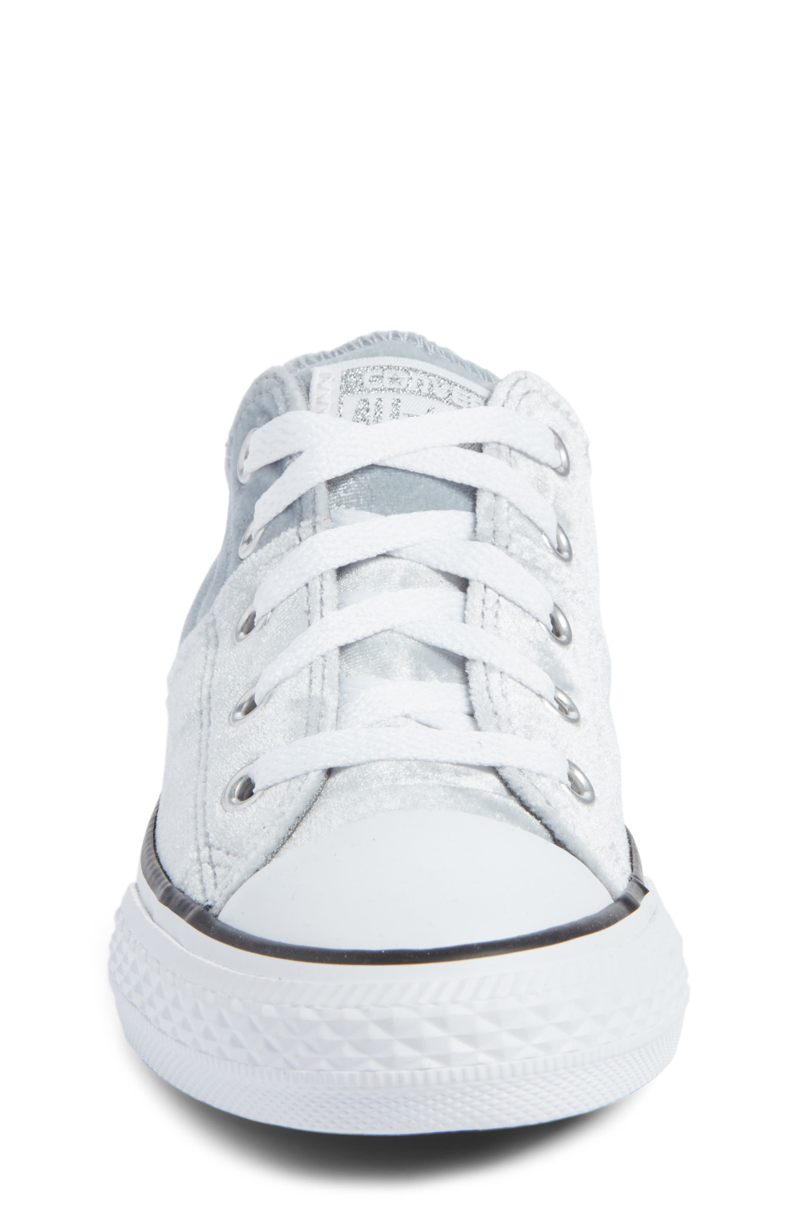 Chuck Taylor<sup>®</sup> All Star<sup>®</sup> Madison Velvet Low Top Sneaker,                             Alternate thumbnail 4, color,                             020