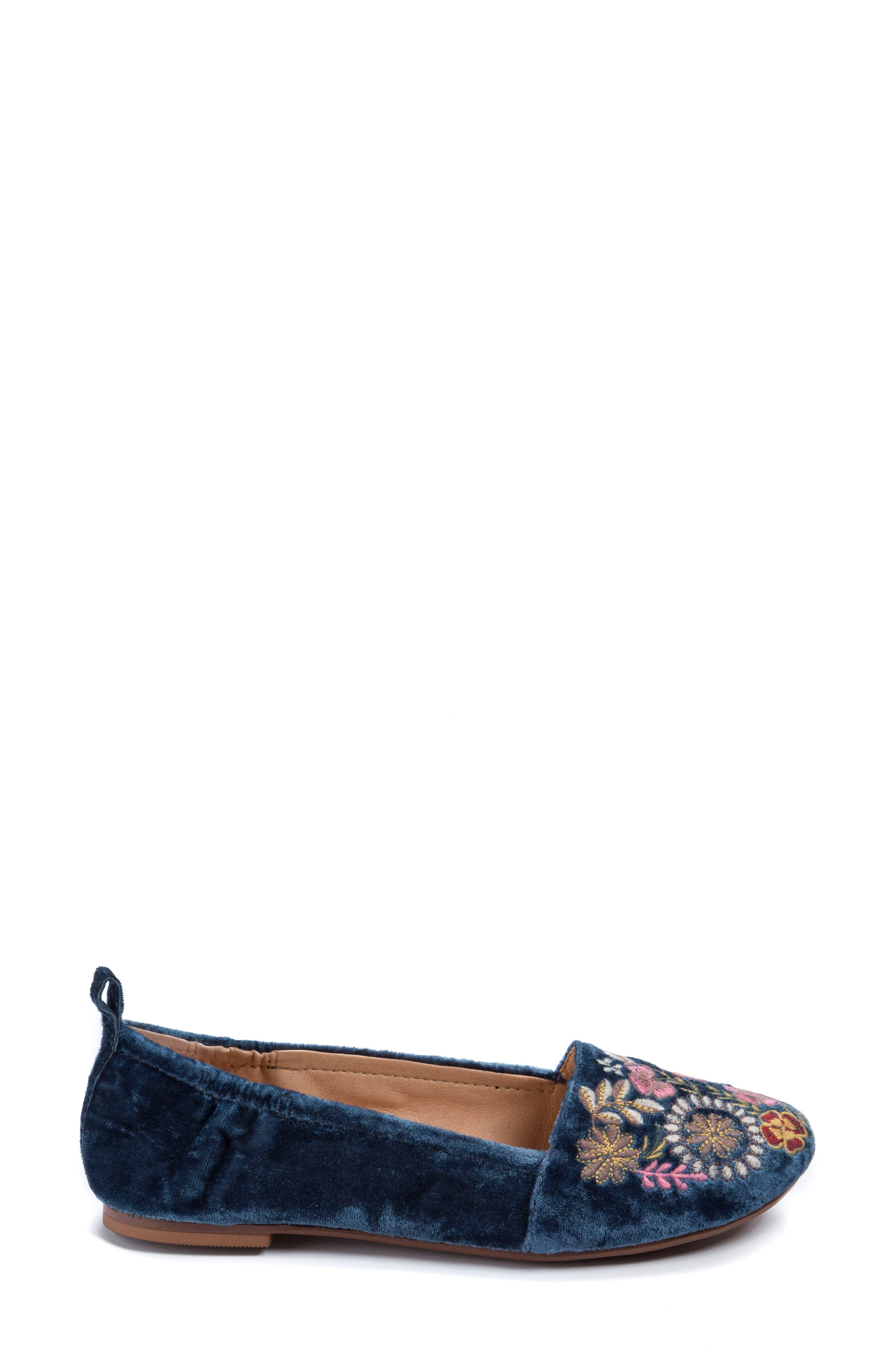 Gayla Floral Embroidered Flat,                             Alternate thumbnail 7, color,