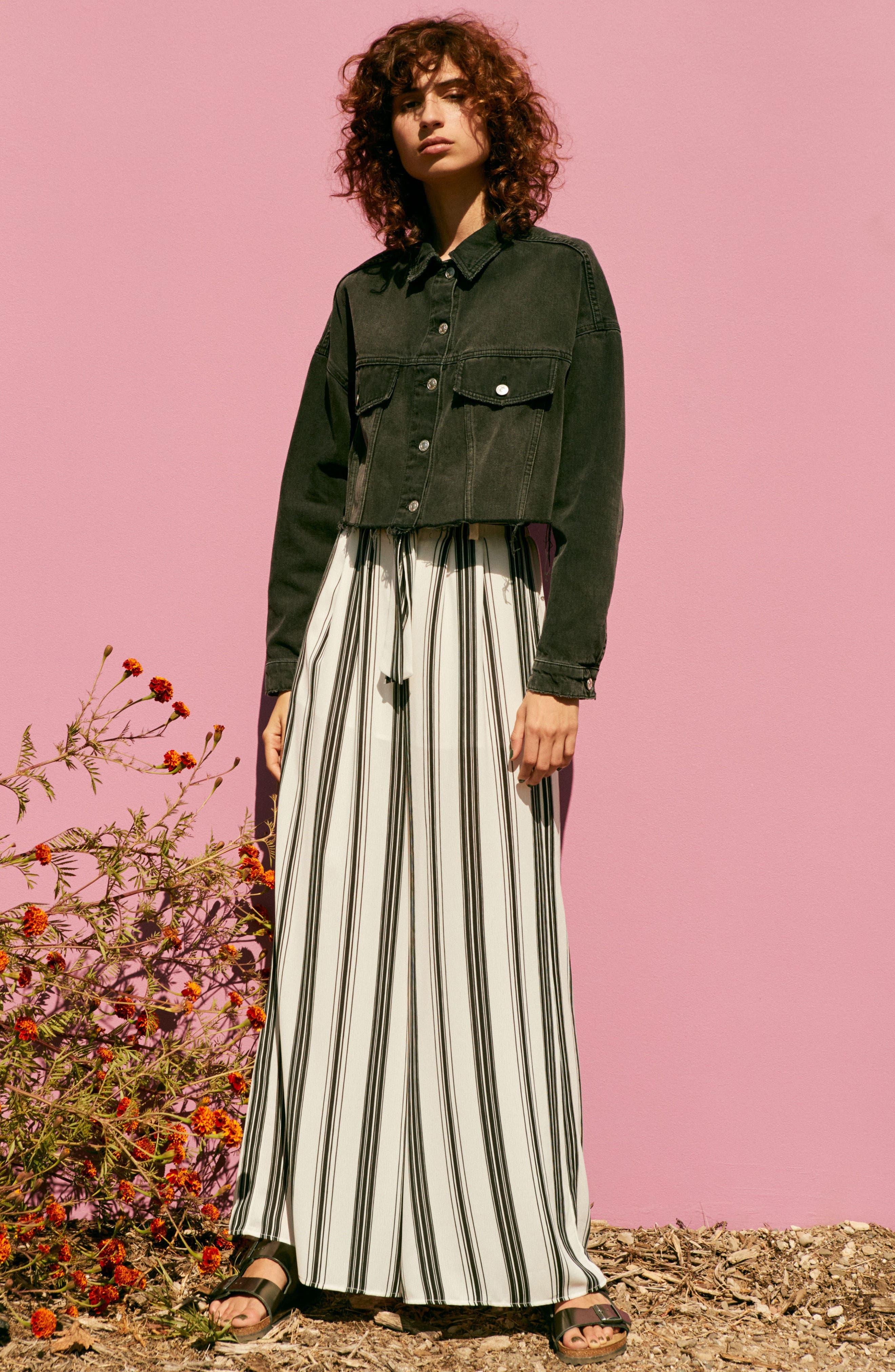 Paperbag Waist Wide Leg Crop Pants,                             Alternate thumbnail 7, color,                             001