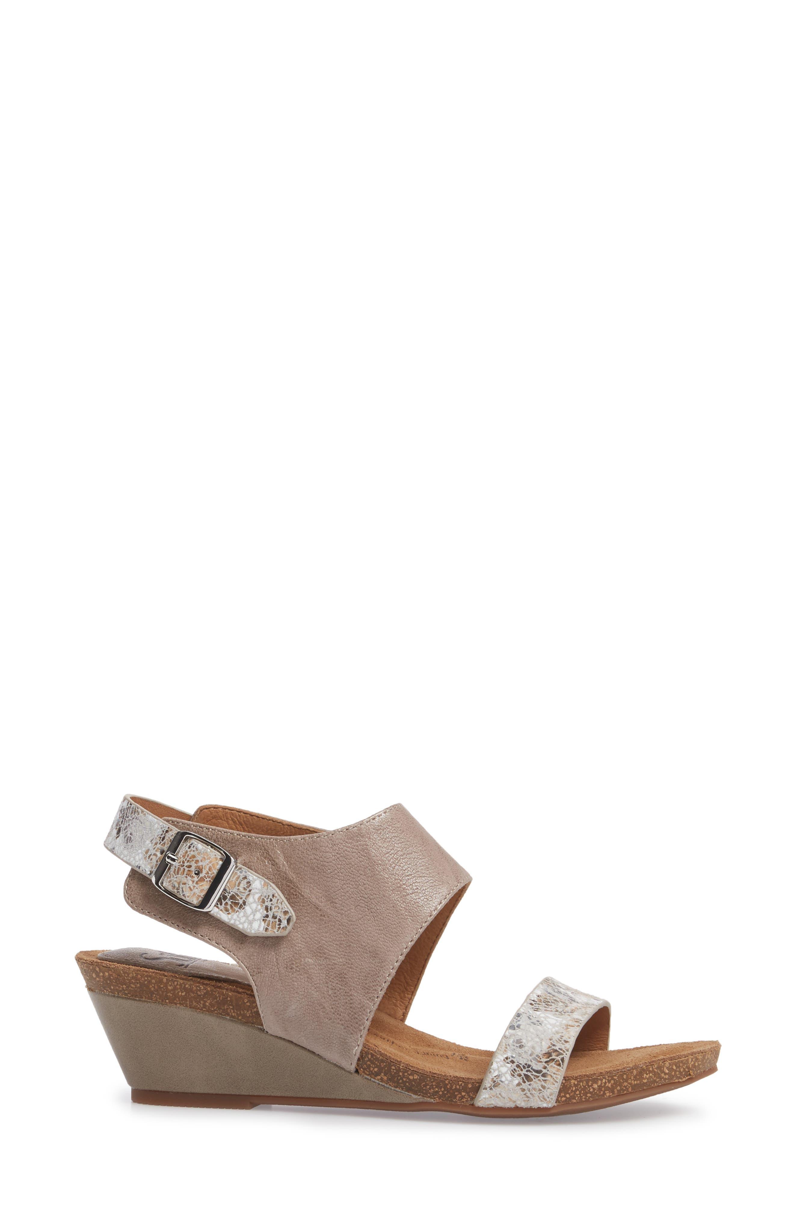 'Vanita' Leather Sandal,                             Alternate thumbnail 3, color,                             031