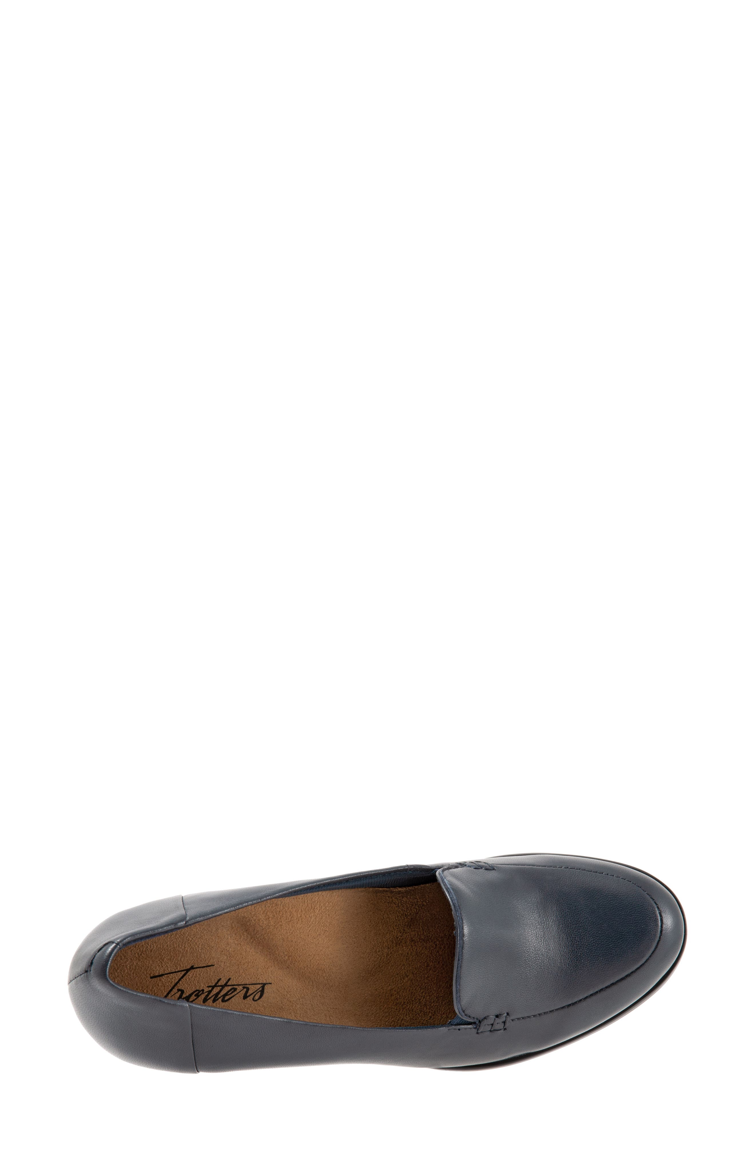 TROTTERS,                             Quincy Loafer Pump,                             Alternate thumbnail 5, color,                             NAVY LEATHER