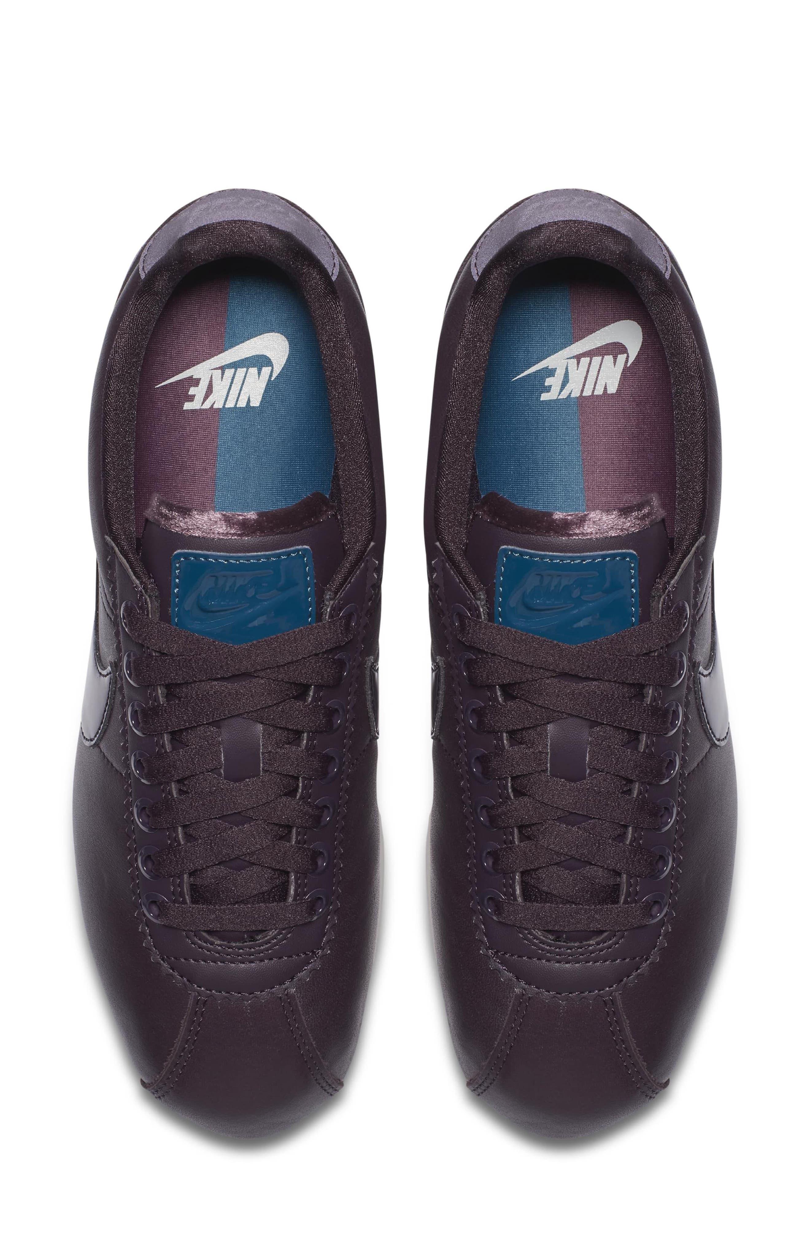 Classic Cortez SE Premium Sneaker,                             Alternate thumbnail 8, color,