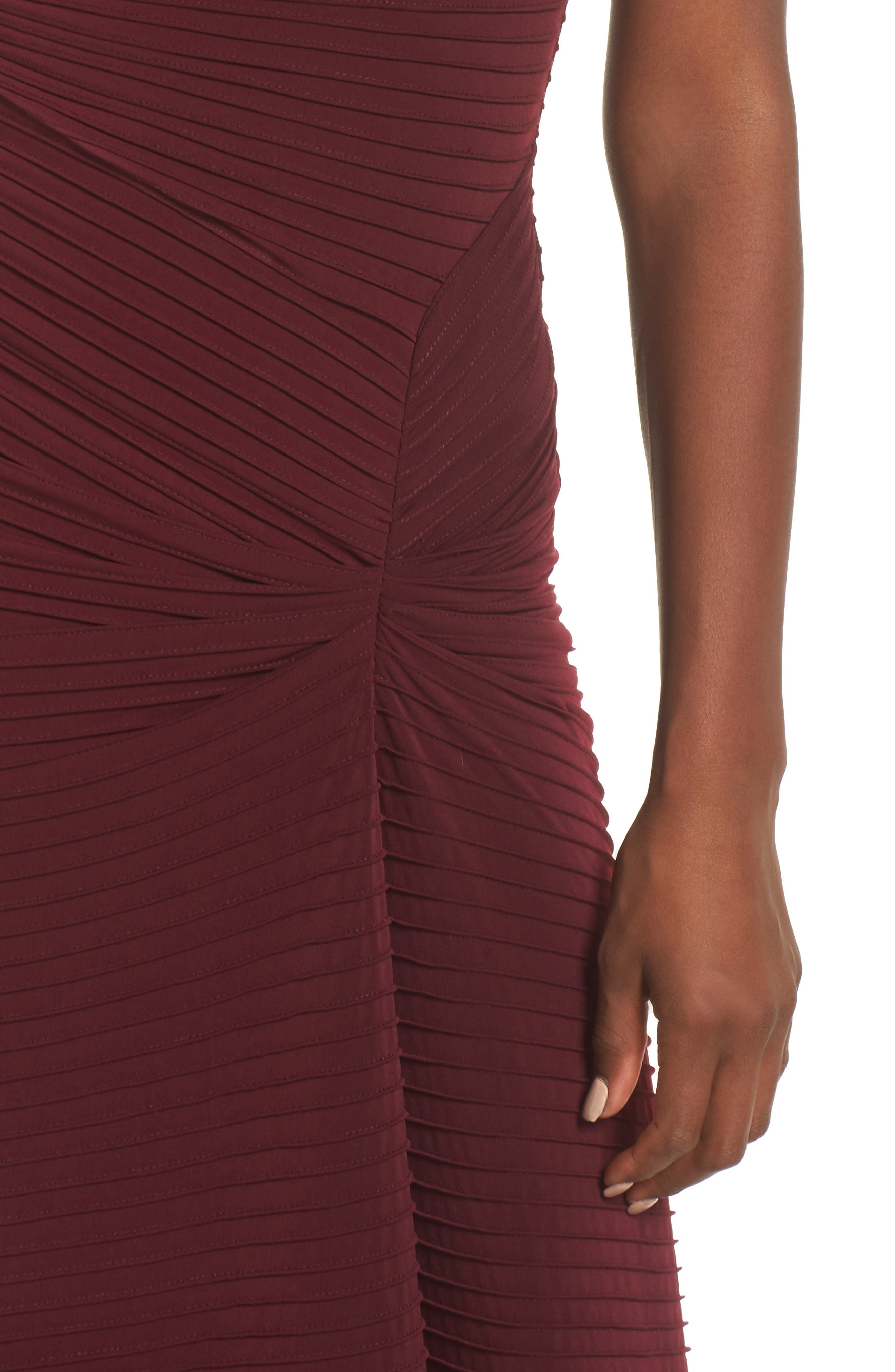 Pintuck Pleat Jersey Gown,                             Alternate thumbnail 4, color,                             WINE