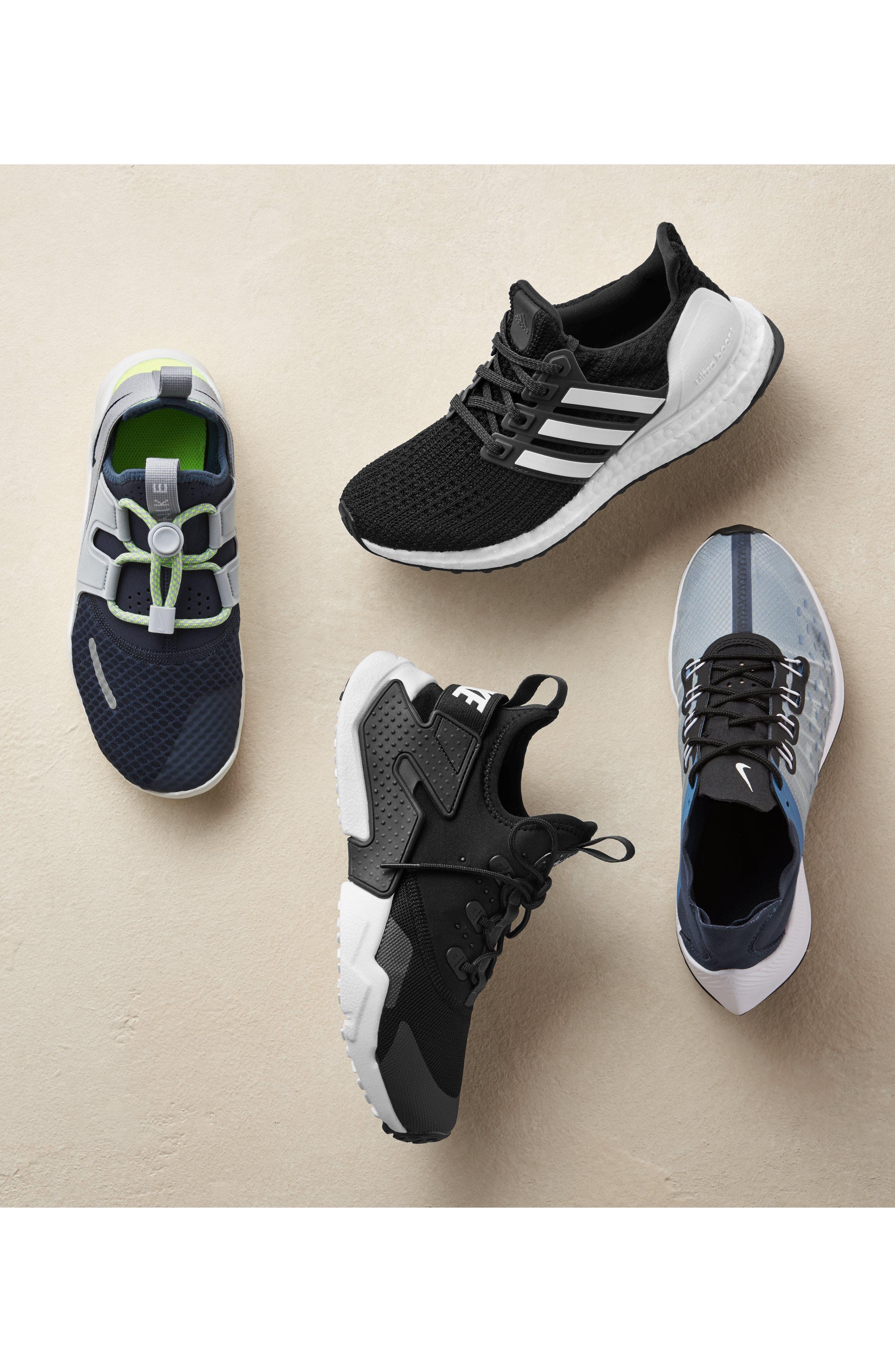 NIKE Huarache Run Drift Sneaker, Main, color, 001