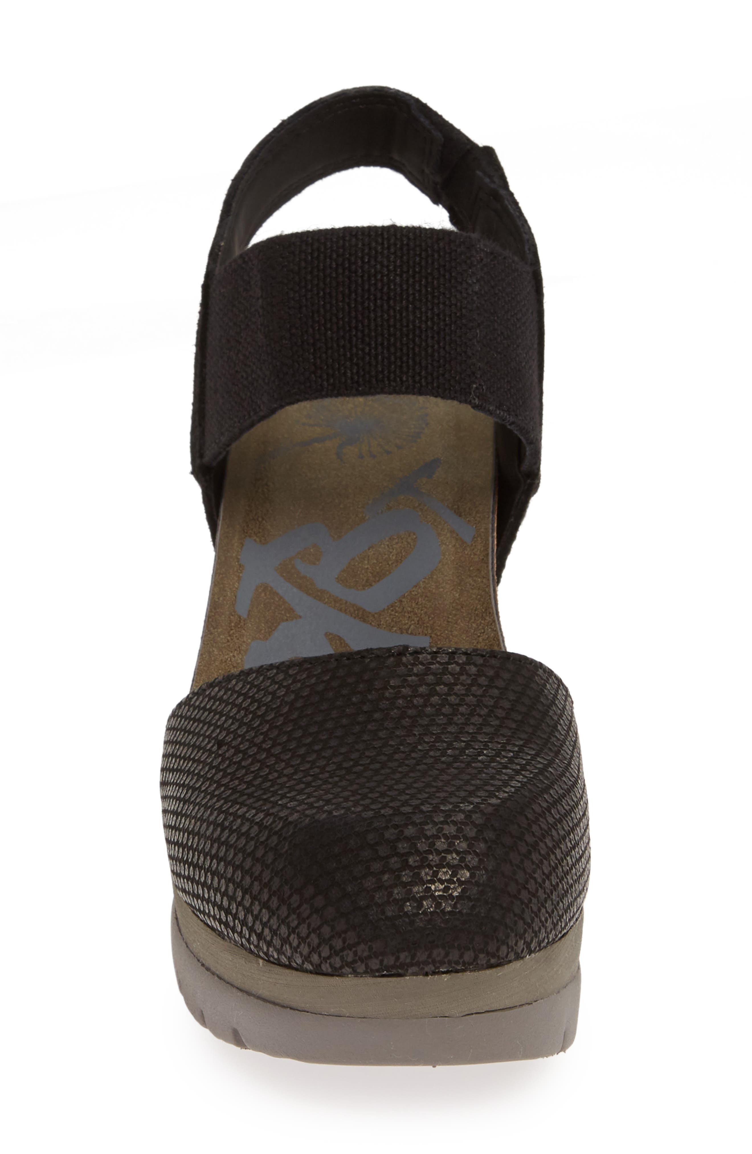 Carry On Wedge Sandal,                             Alternate thumbnail 4, color,                             BLACK LEATHER