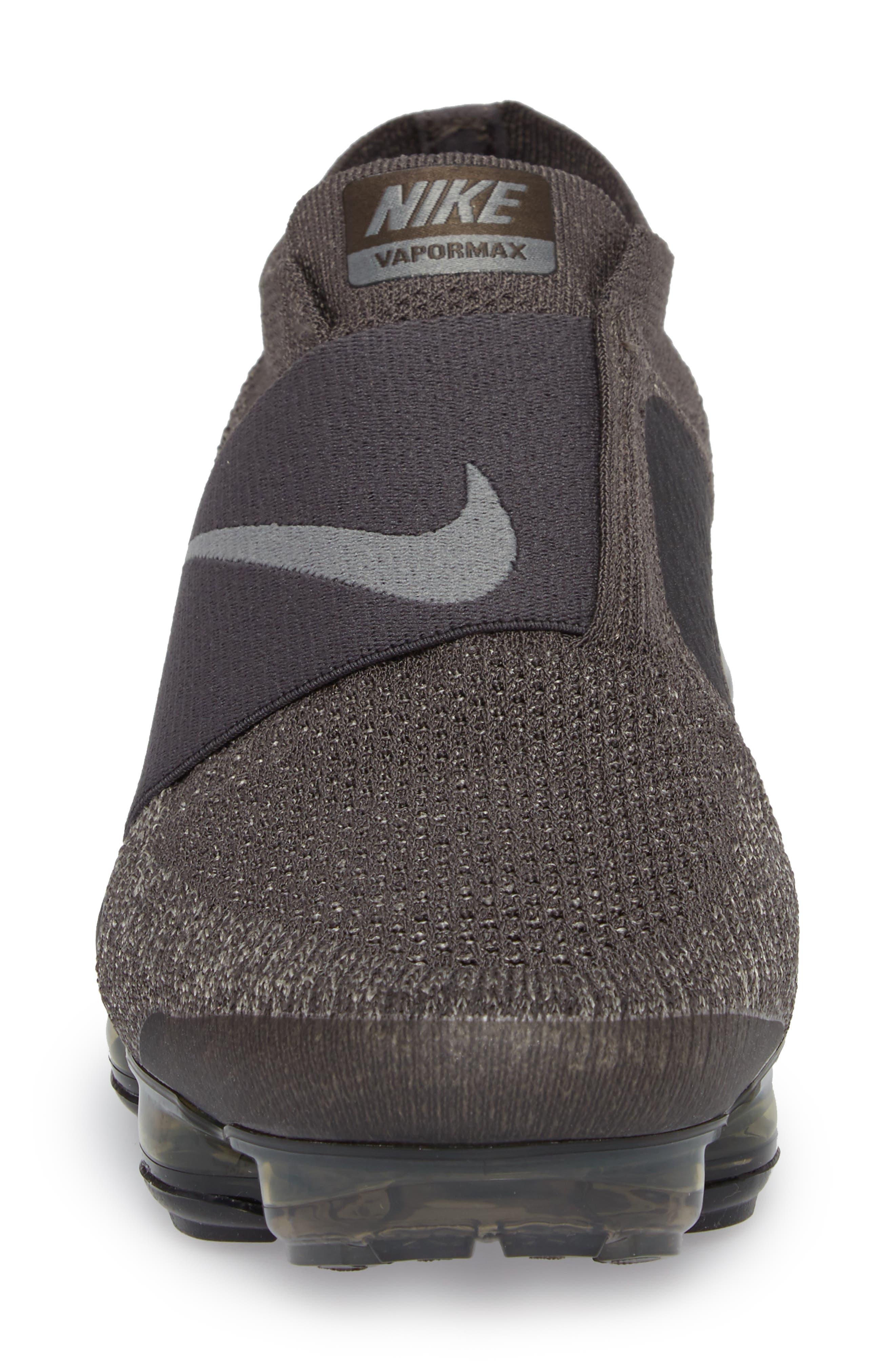 Air VaporMax Flyknit Running Shoe,                             Alternate thumbnail 4, color,