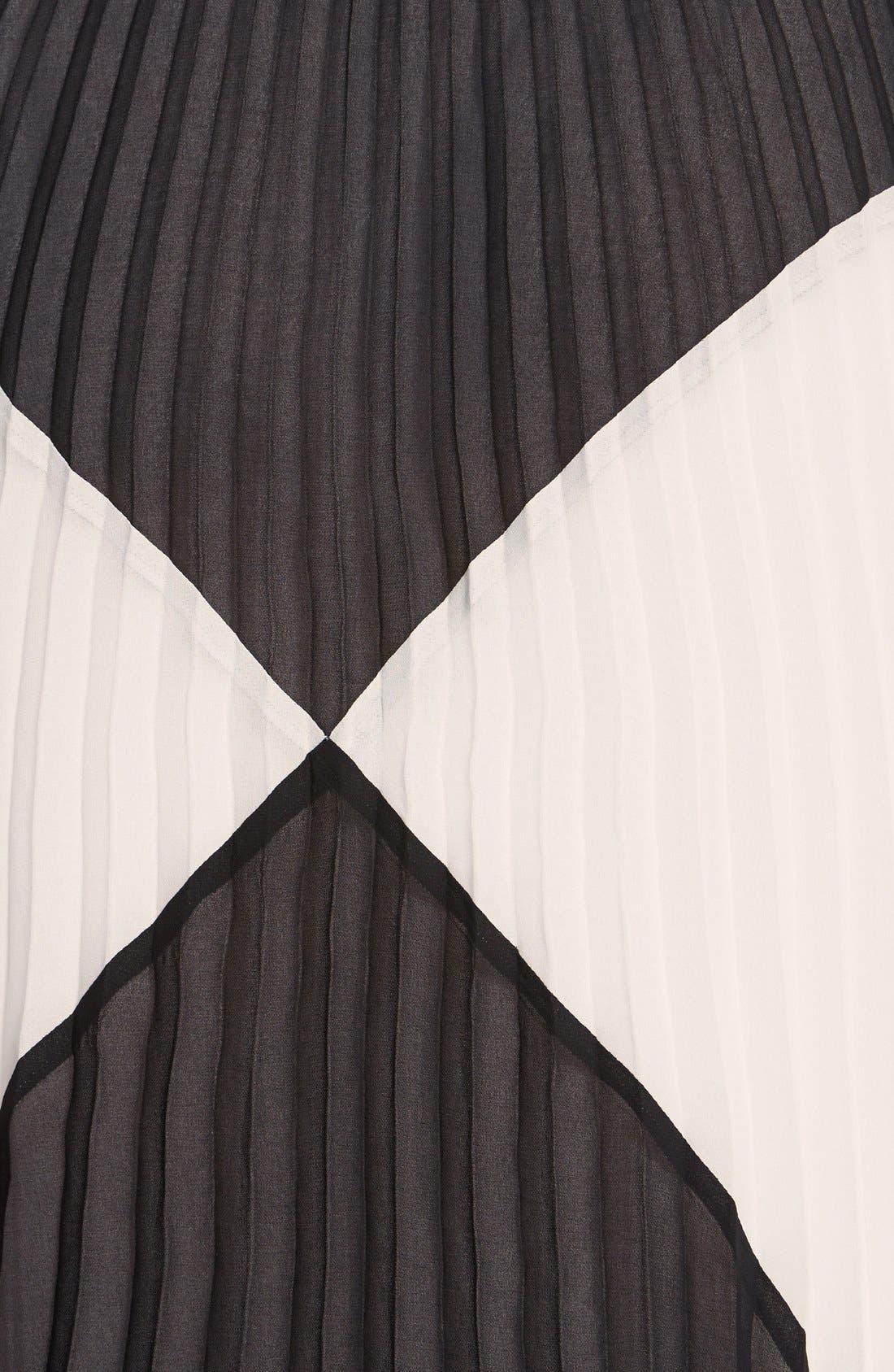 HALOGEN<SUP>®</SUP>,                             'Sunburst' Pleat Midi Skirt,                             Alternate thumbnail 4, color,                             001
