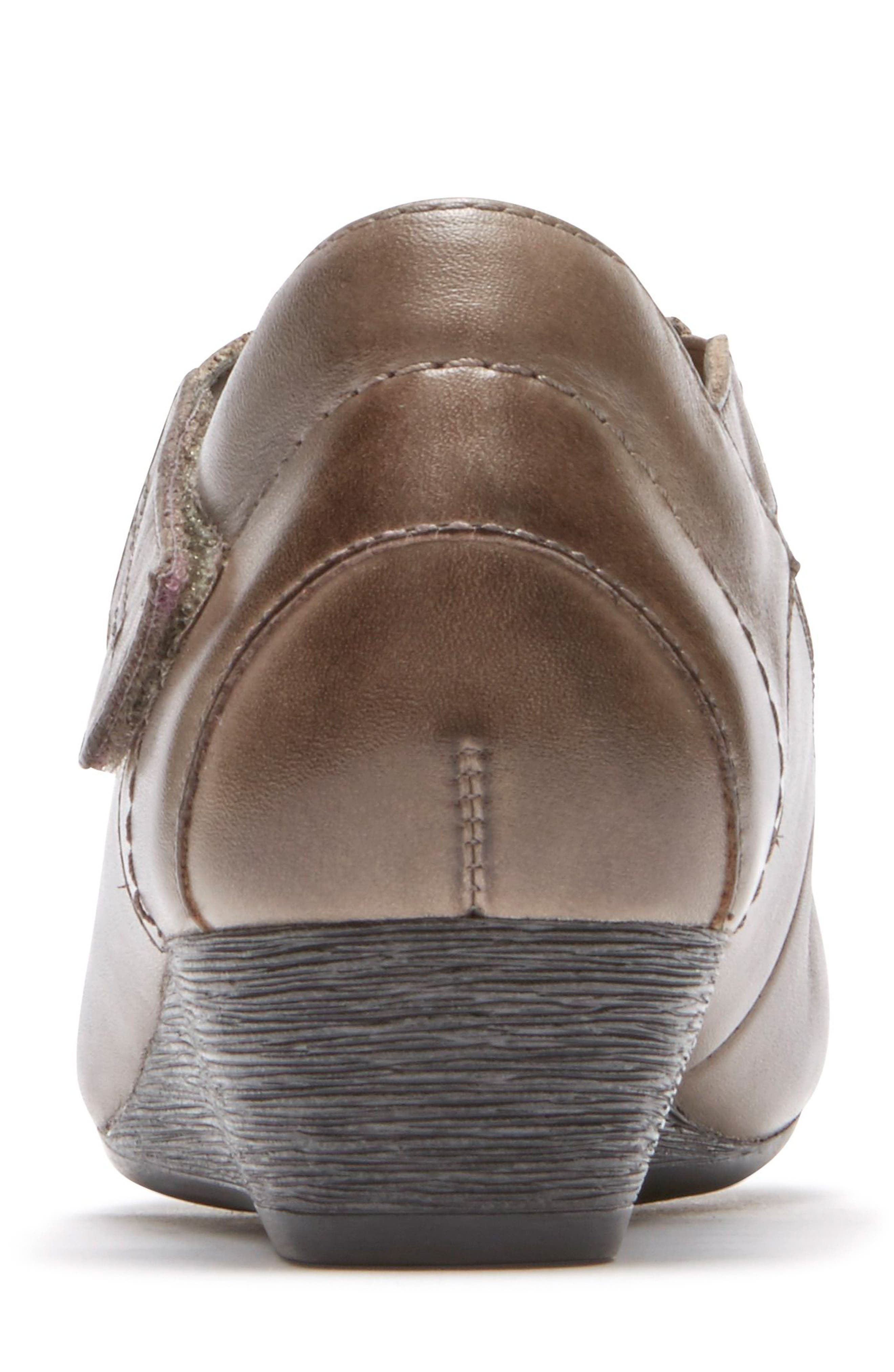 'Janet' Mary Jane Wedge,                             Alternate thumbnail 24, color,