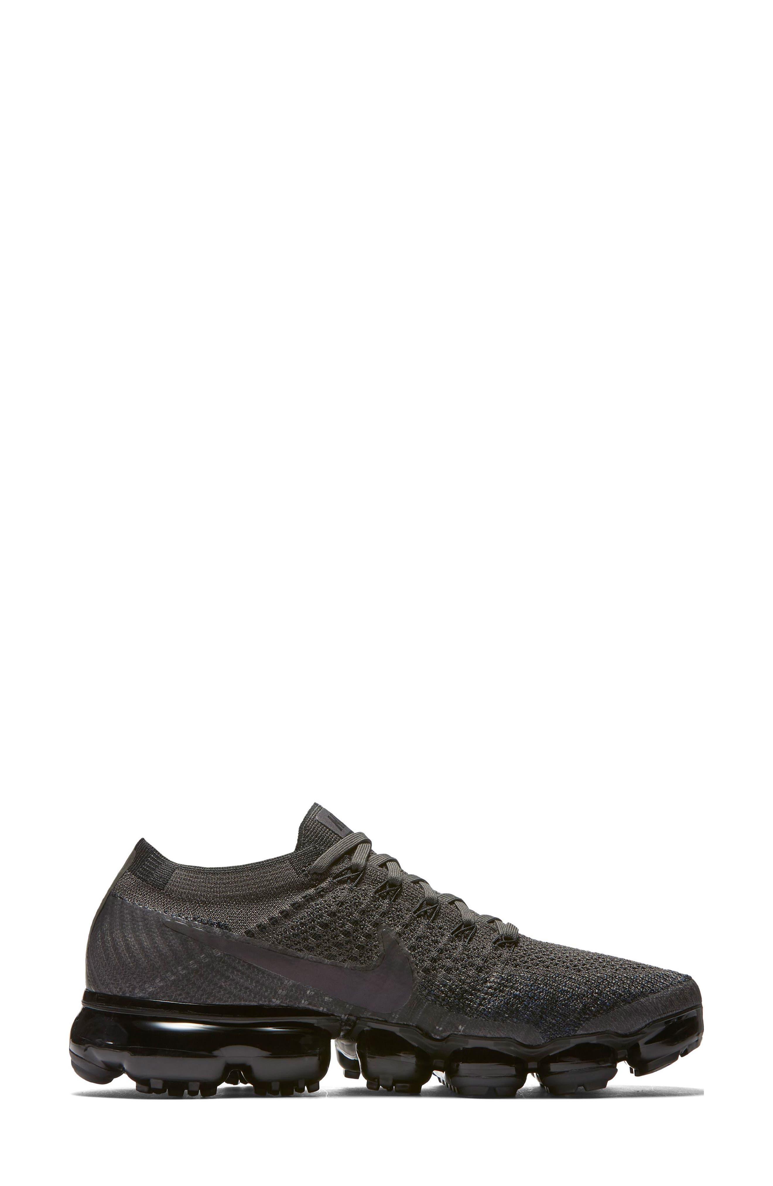 Air VaporMax Flyknit Running Shoe,                             Alternate thumbnail 3, color,                             MIDNIGHT FOG/ BLACK