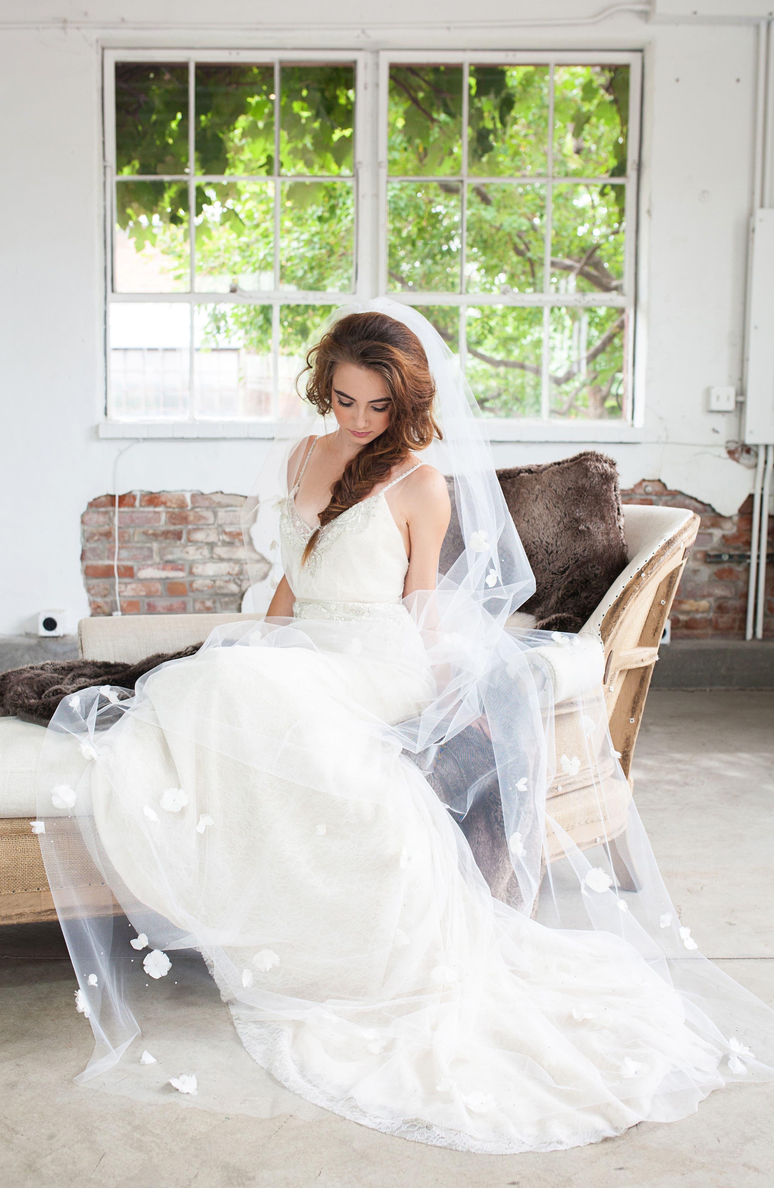 Fleet Embellished Bridal Veil,                             Alternate thumbnail 4, color,                             LIGHT IVORY