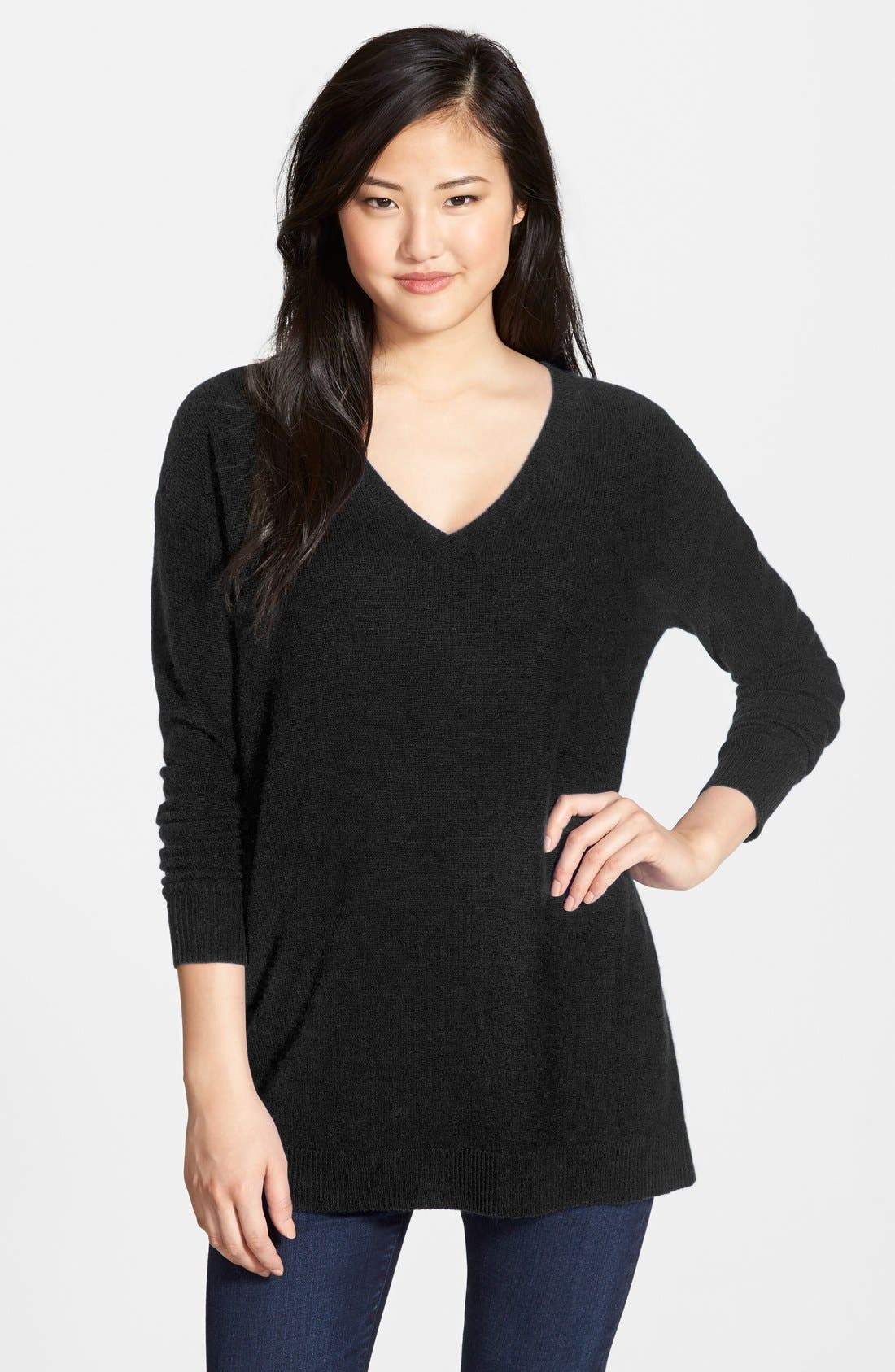 HALOGEN<SUP>®</SUP>,                             V-Neck Cashmere Tunic Sweater,                             Main thumbnail 1, color,                             001
