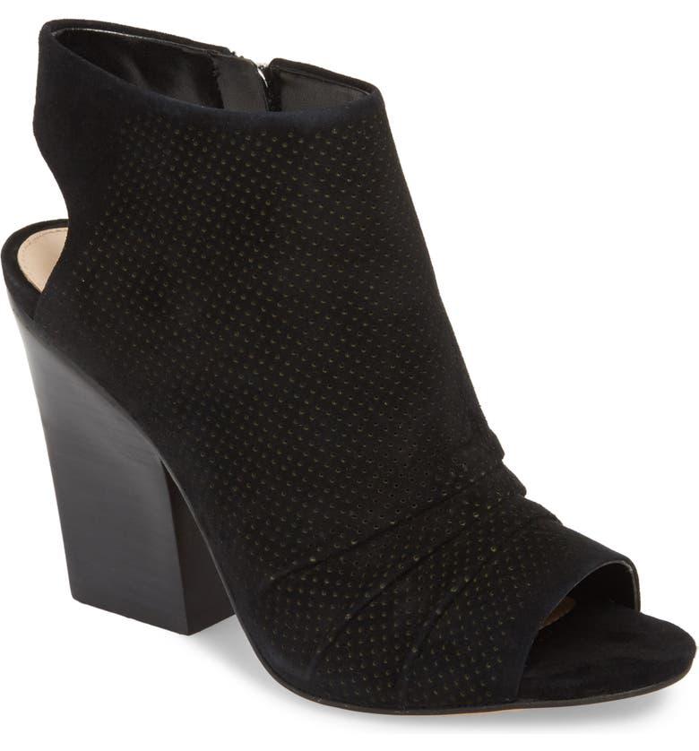 Online Purchase Vince Camuto Kentvi Sandal (Women) Best Deals