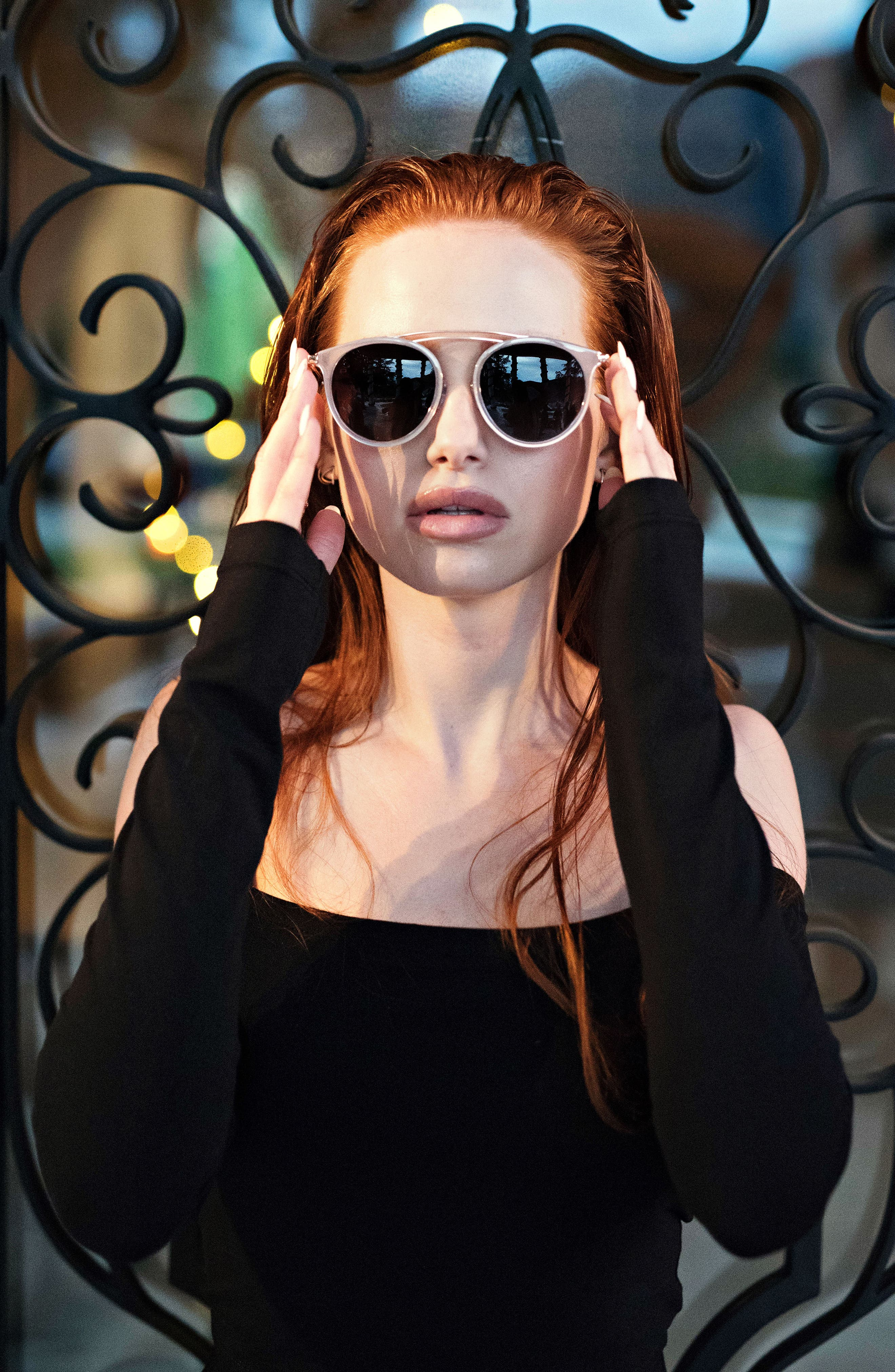 Privé Revaux x Madelaine Petsch The Rogue 50mm Sunglasses,                             Alternate thumbnail 6, color,                             GOLD/ CLEAR