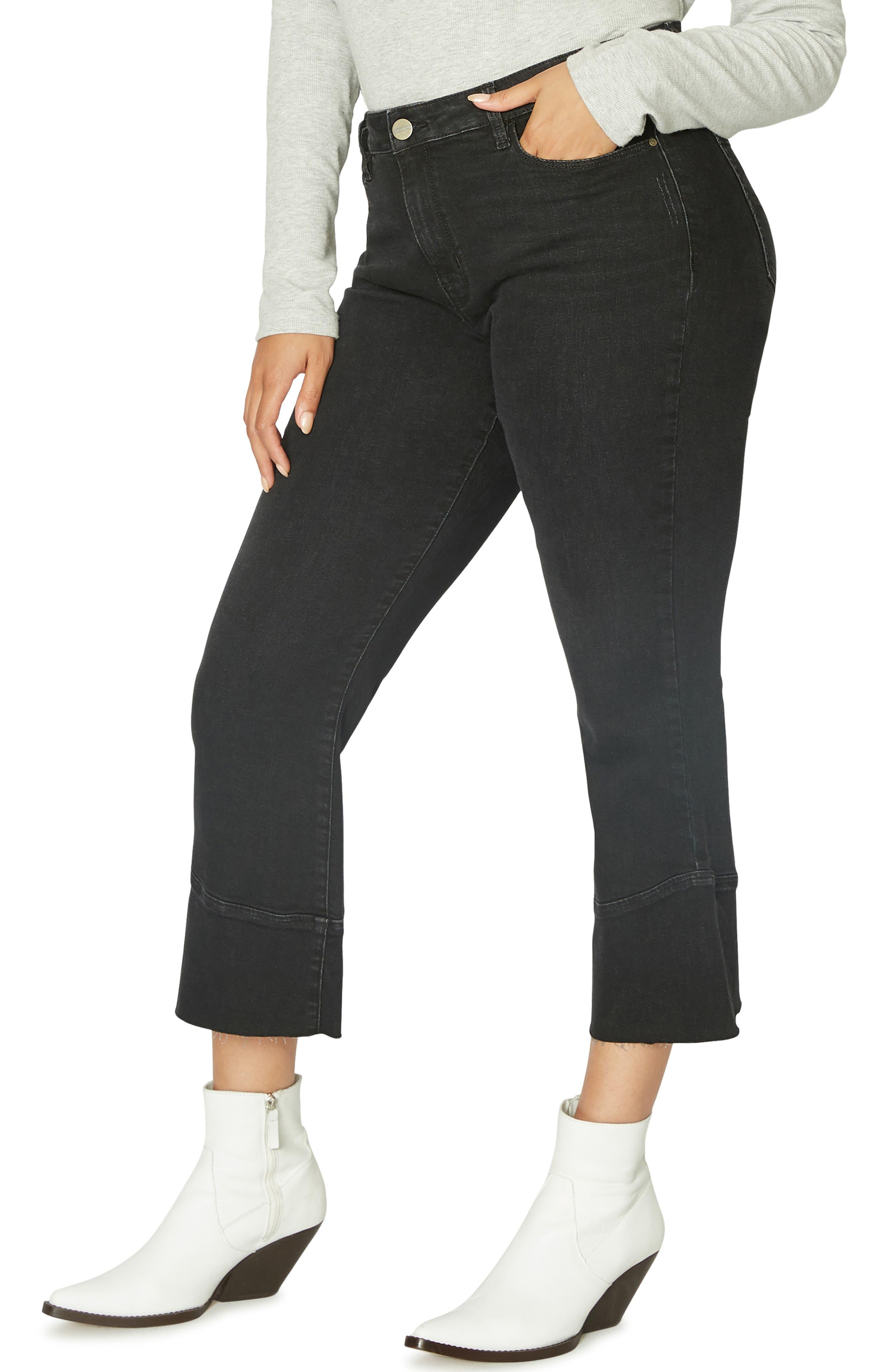 Tulip Hem Kick Crop Jeans,                             Alternate thumbnail 3, color,                             NOIR BLACK