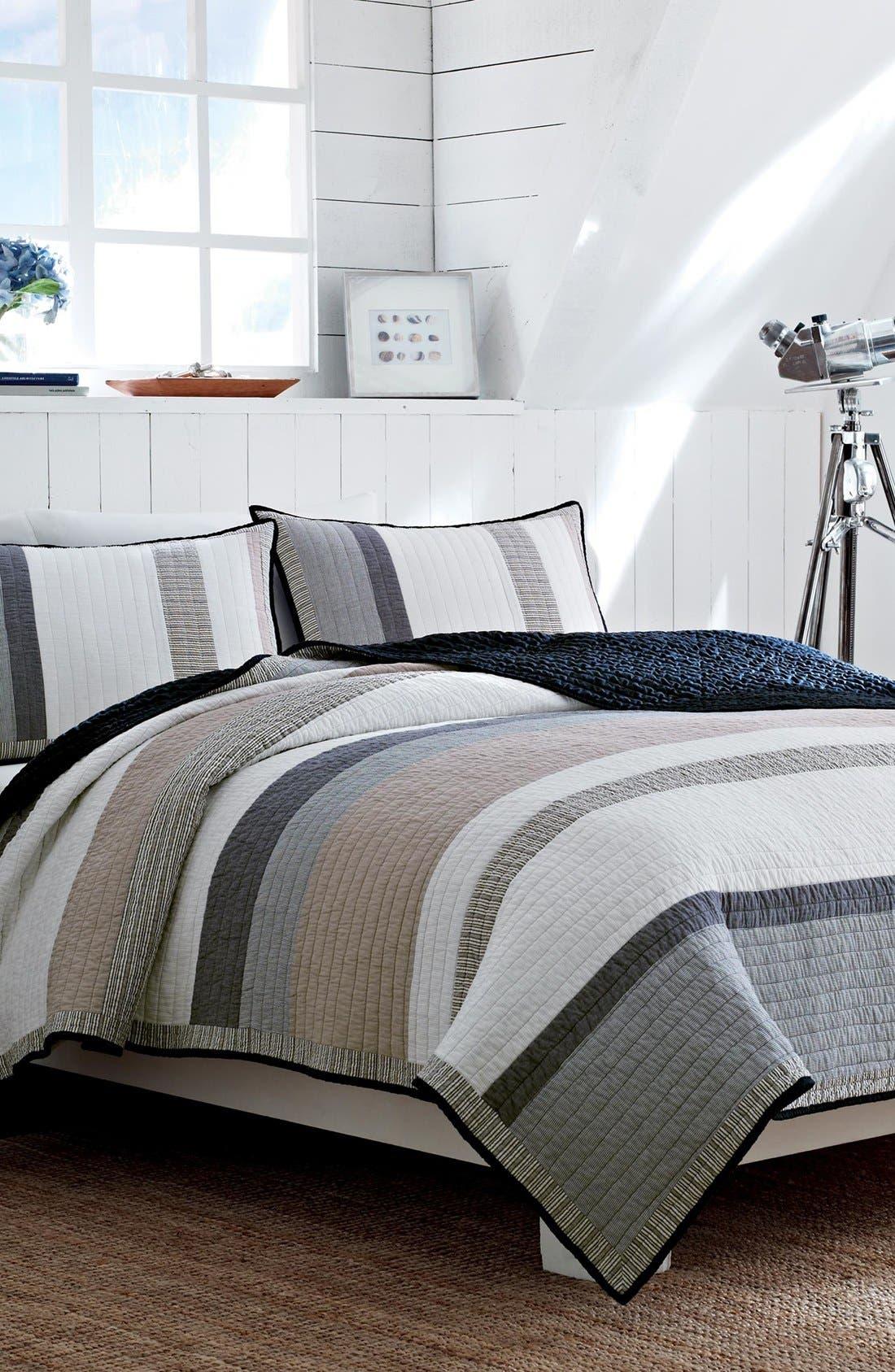 'Tideway' Reversible Quilt,                         Main,                         color, 020