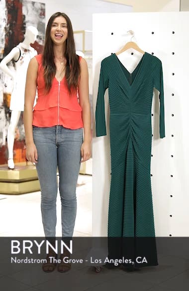 Pintuck Trumpet Gown, sales video thumbnail