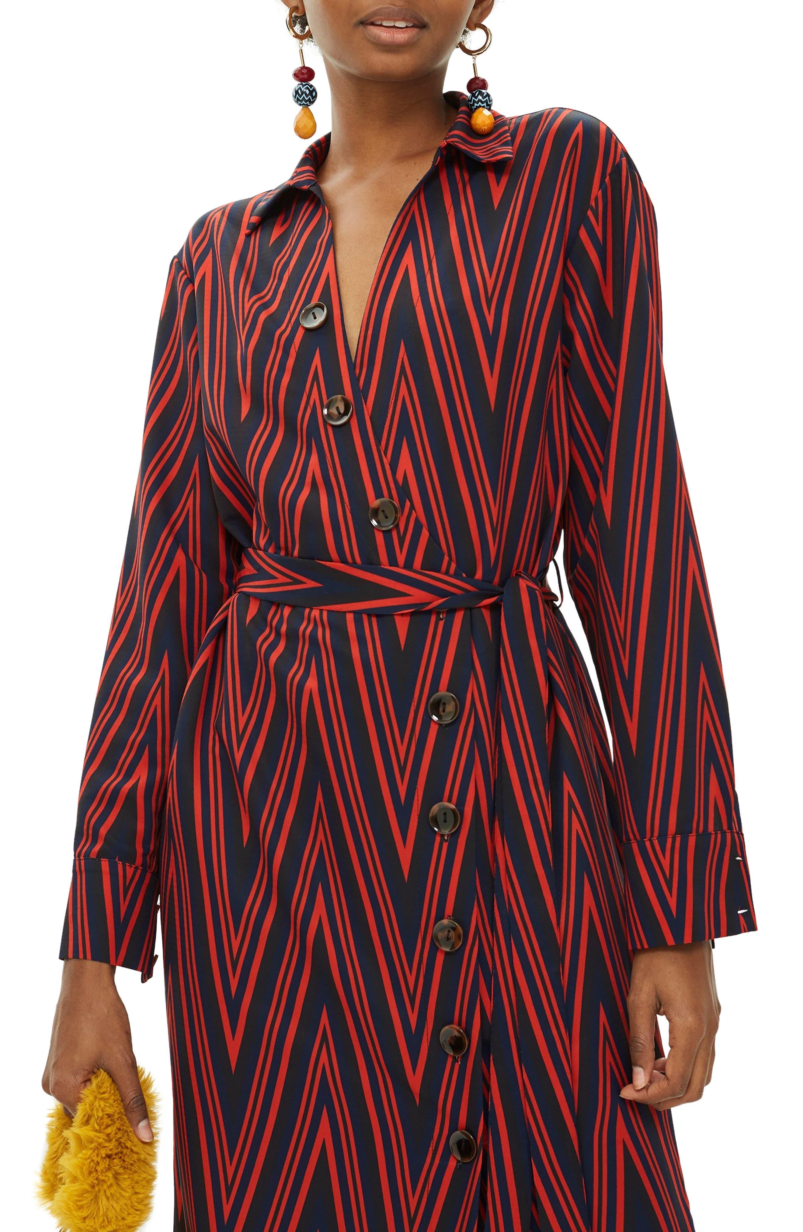 TOPSHOP,                             Horn Button Print Midi Dress,                             Alternate thumbnail 4, color,                             220