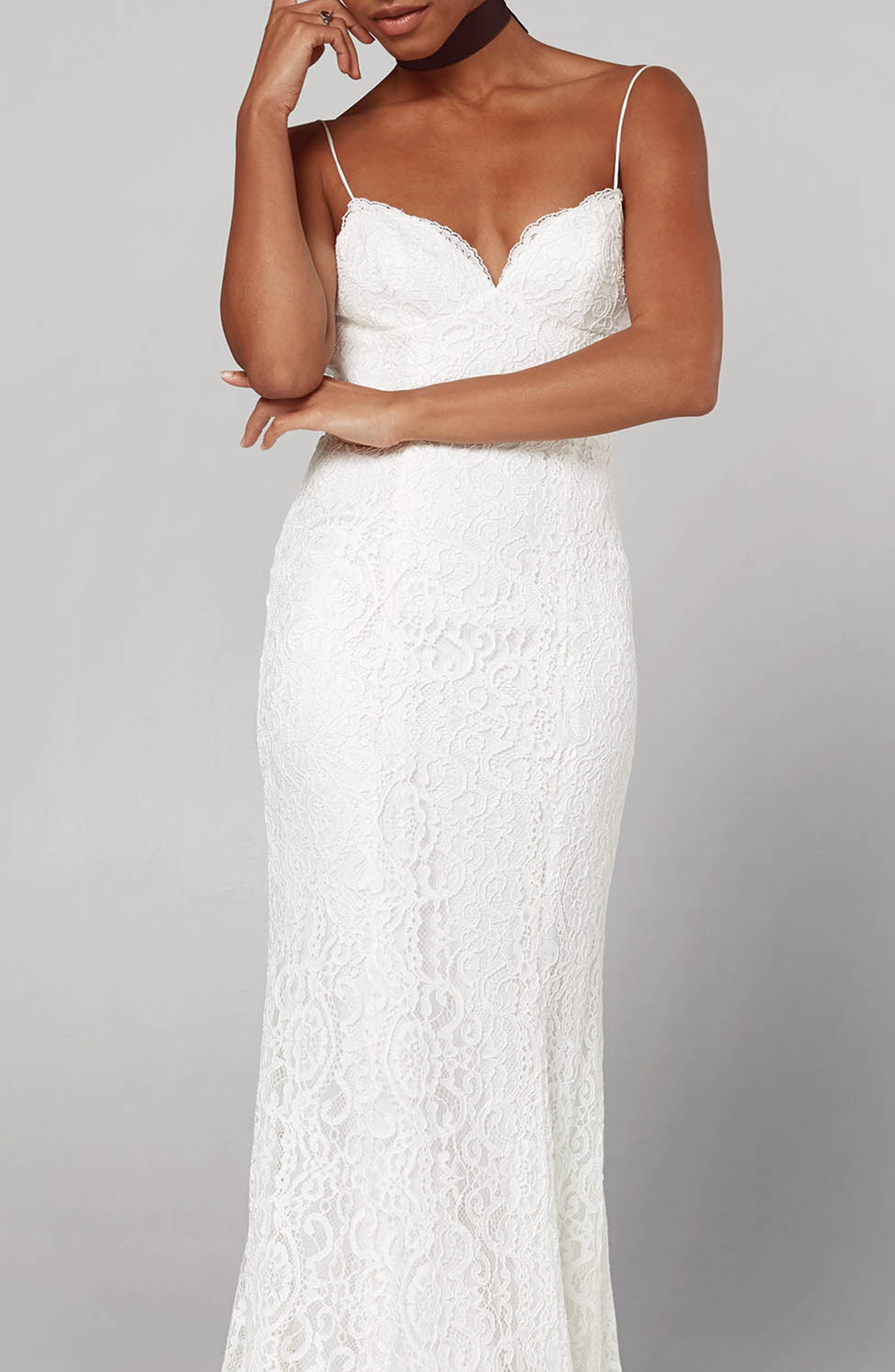 Fame And Partners Sirene Scalloped Lace Gown, White