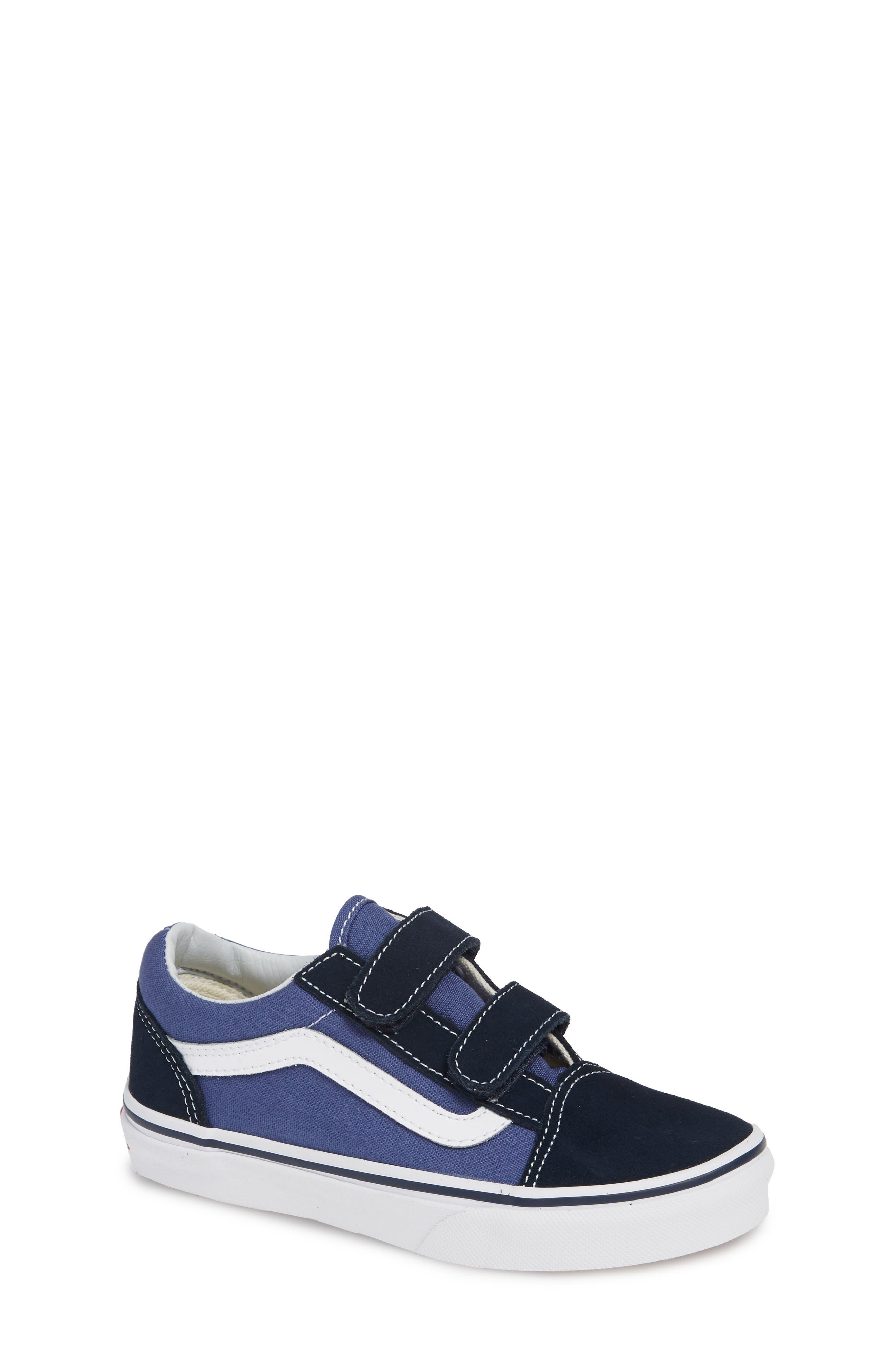 Old Skool V Sneaker,                         Main,                         color, NAVY/ TRUE WHITE