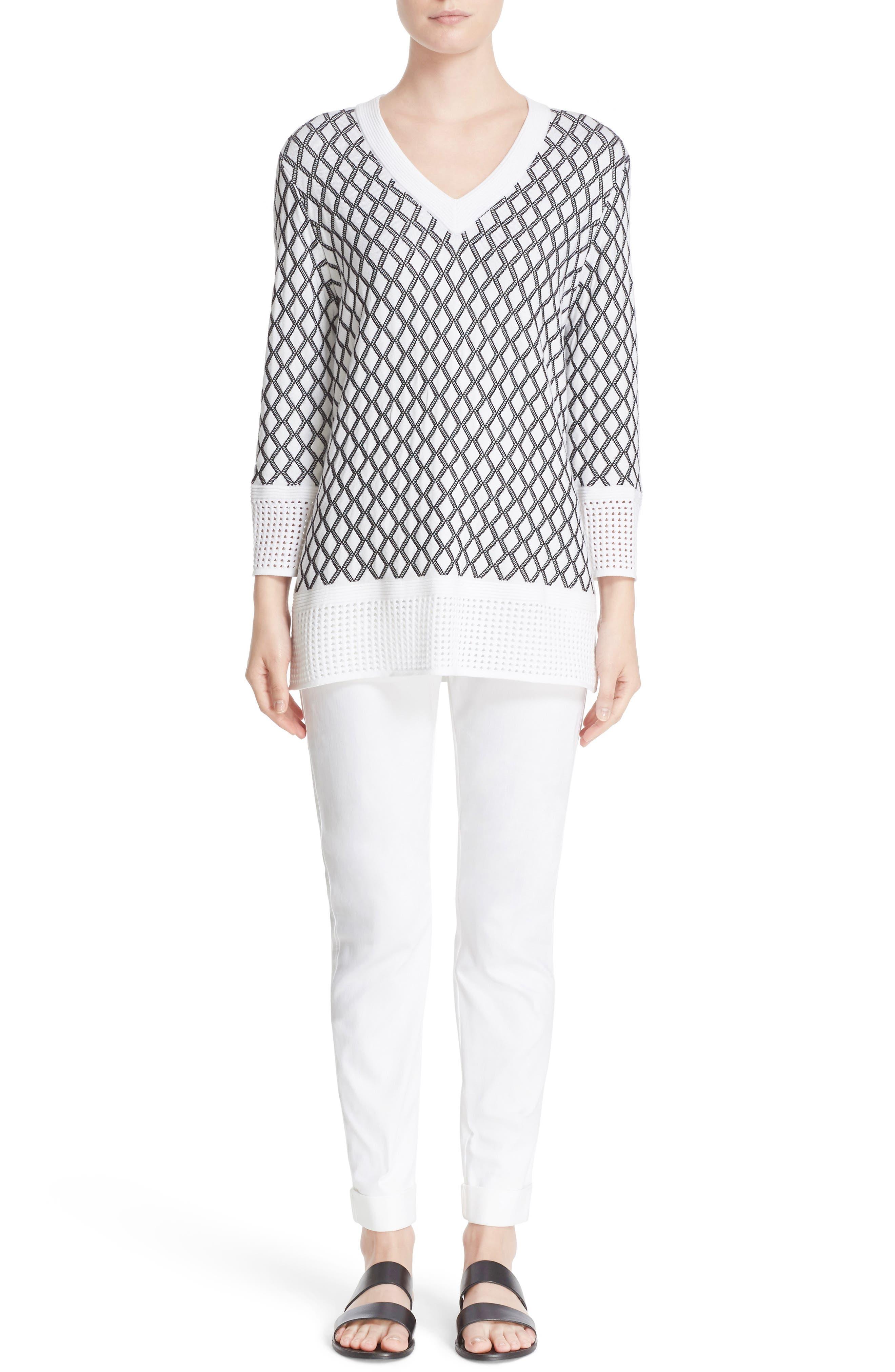 St. John Sport Collection Bardot Slim Capri Jeans,                         Main,                         color, BIANCO