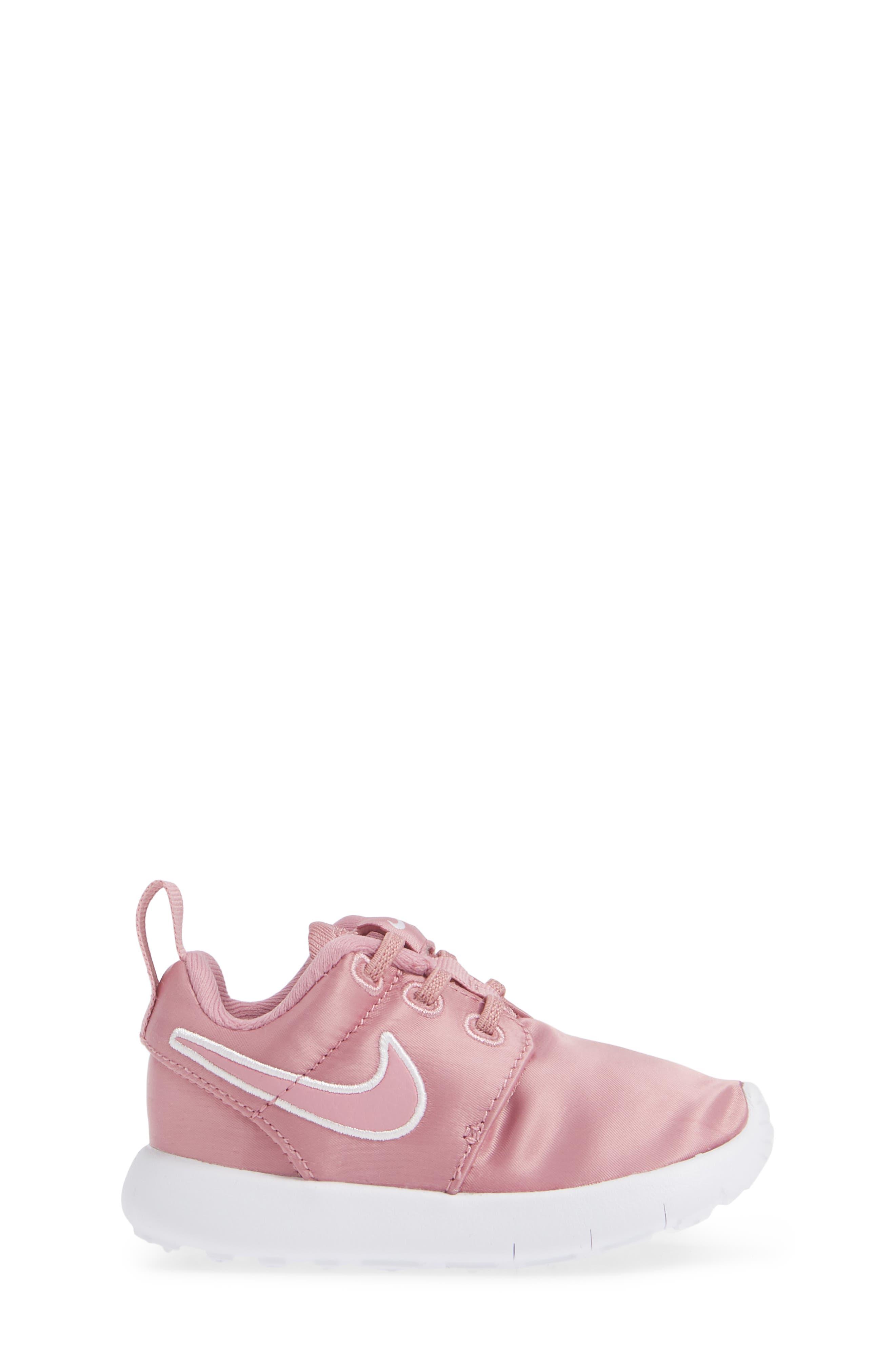 Roshe Run Sneaker,                             Alternate thumbnail 3, color,                             ELEMENTAL PINK/ PINK-WHITE
