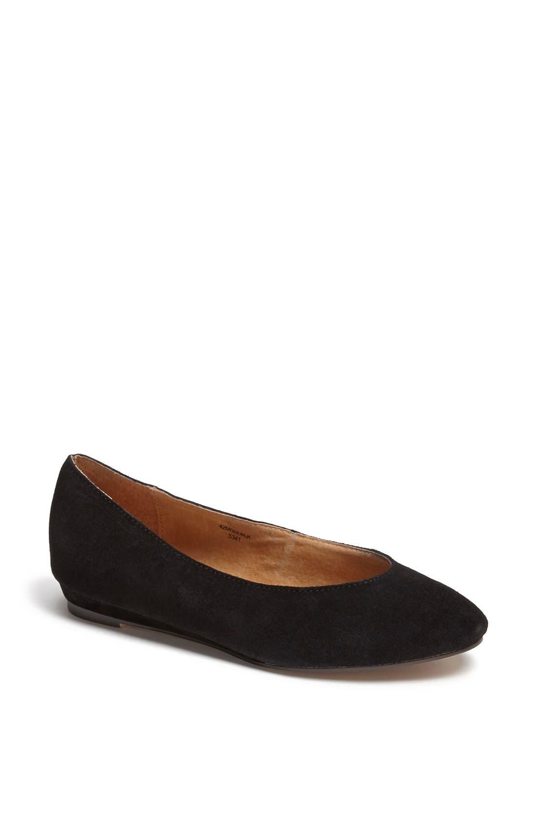 'Mello Mini Wedge' Court Shoe,                             Main thumbnail 1, color,                             001