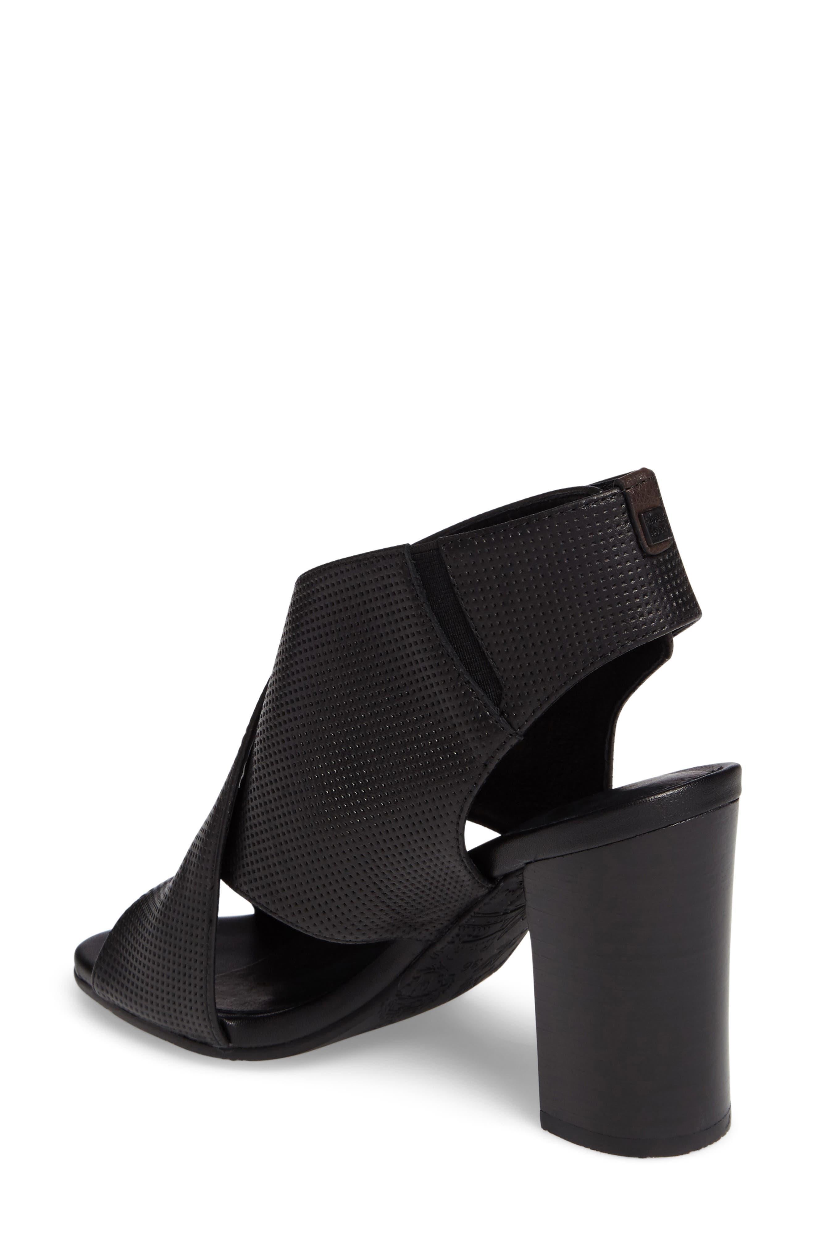 Benedetta Block Heel Sandal,                             Alternate thumbnail 2, color,                             001