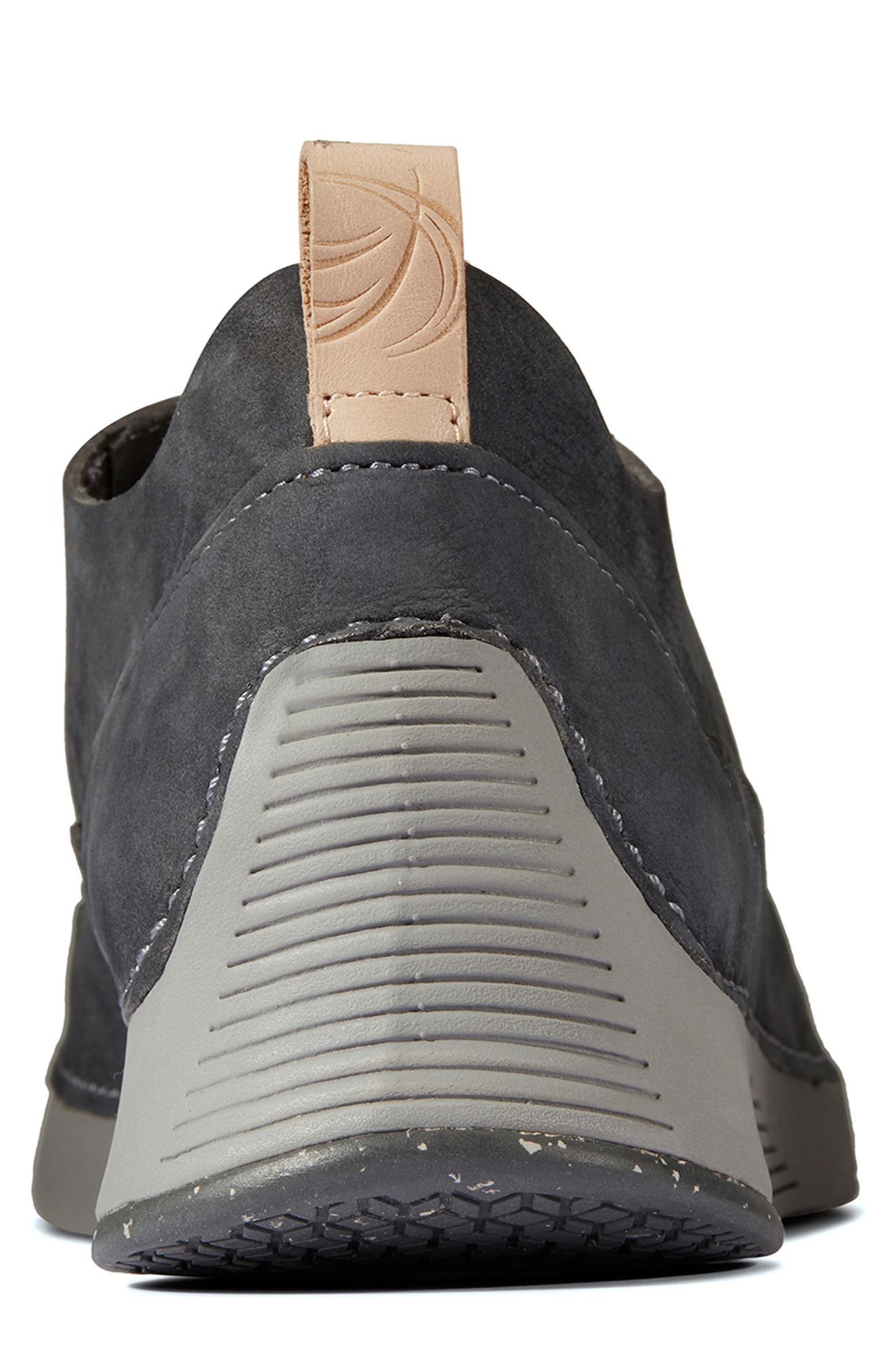 Tri Active Run Sneaker,                             Alternate thumbnail 4, color,                             GREY LEATHER