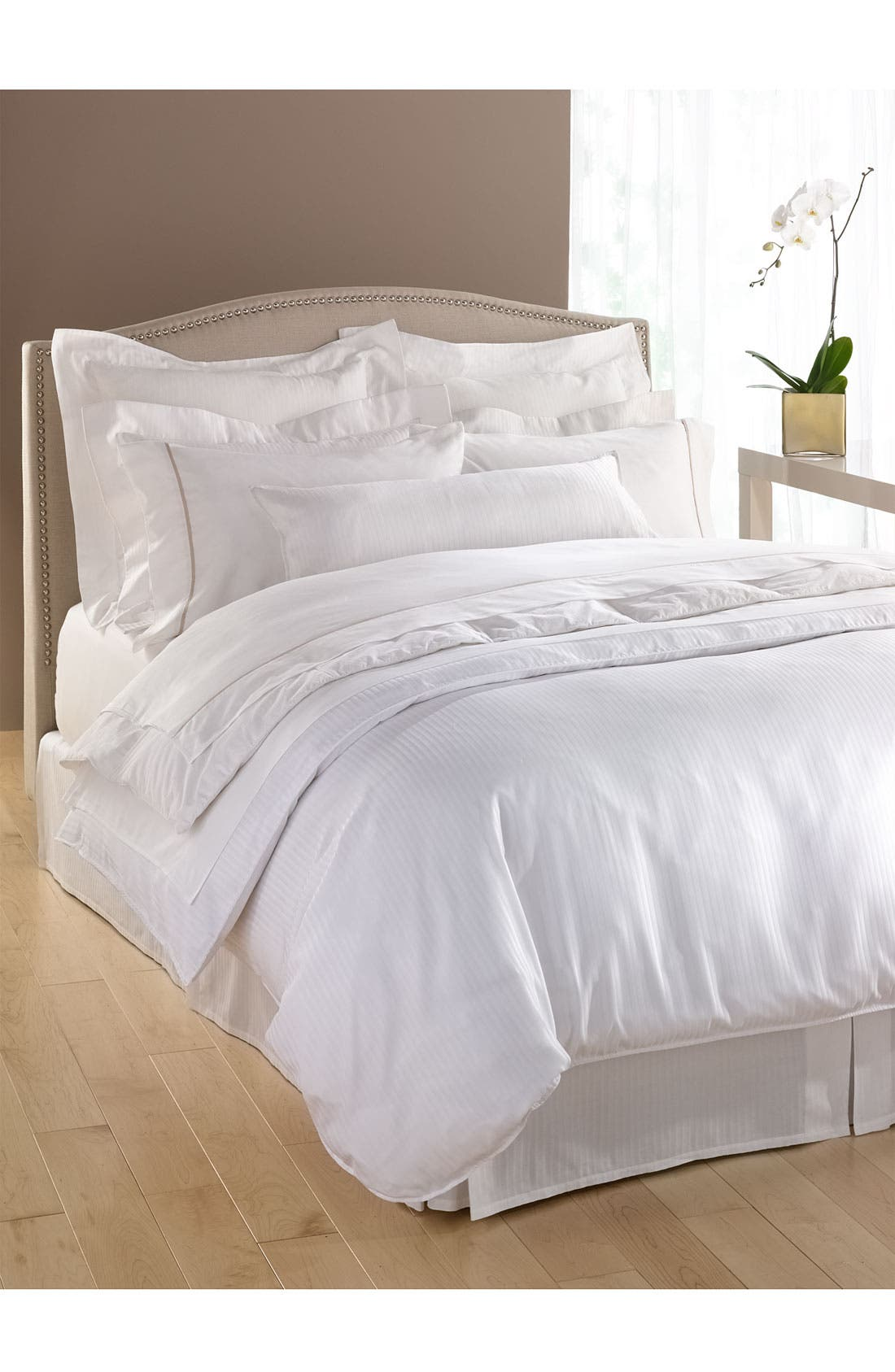 300 Thread Count Luxe Fitted Sheet,                             Alternate thumbnail 2, color,                             WHI