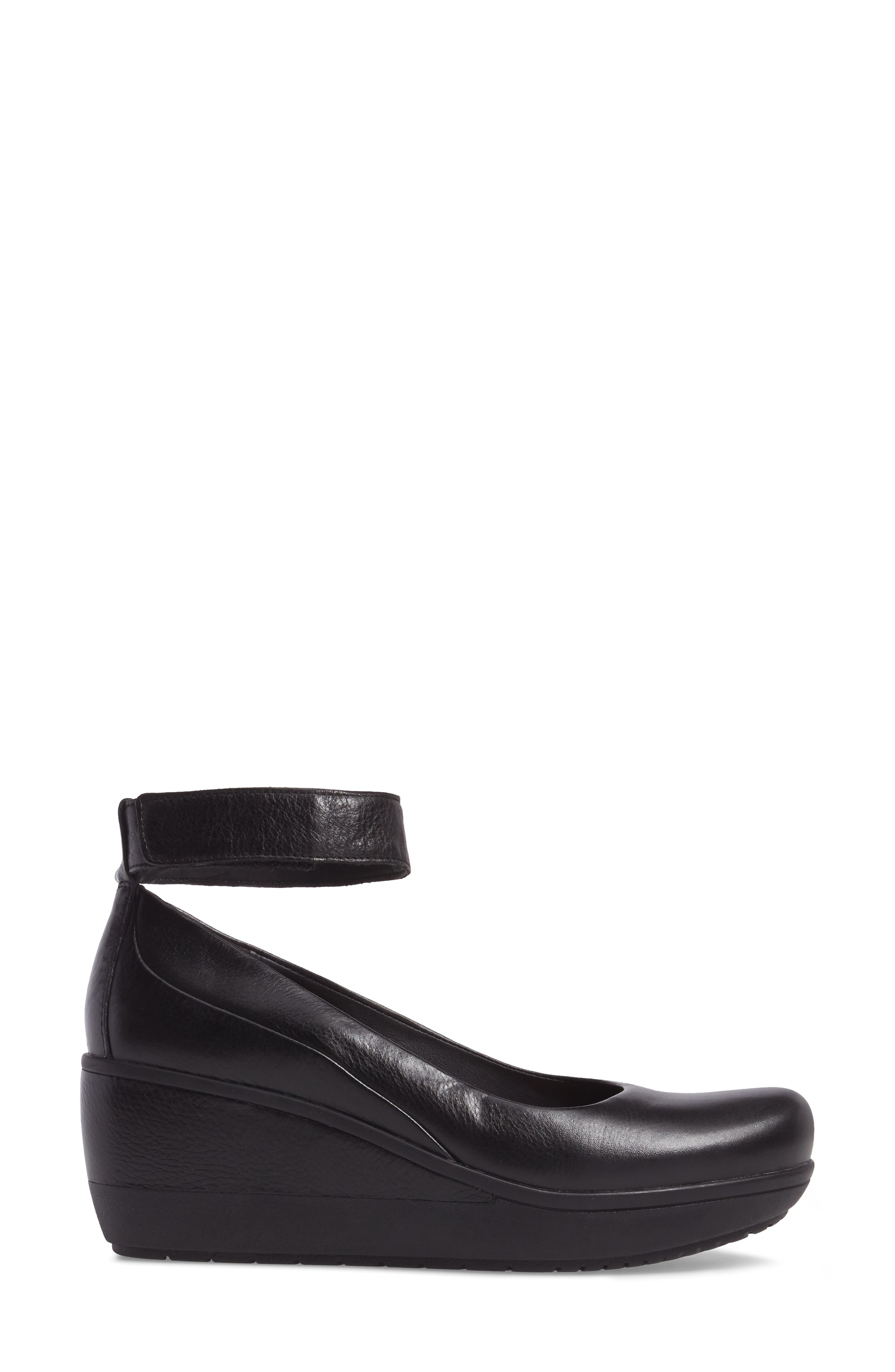 Wynnmere Fox Ankle Strap Pump,                             Alternate thumbnail 3, color,                             BLACK LEATHER